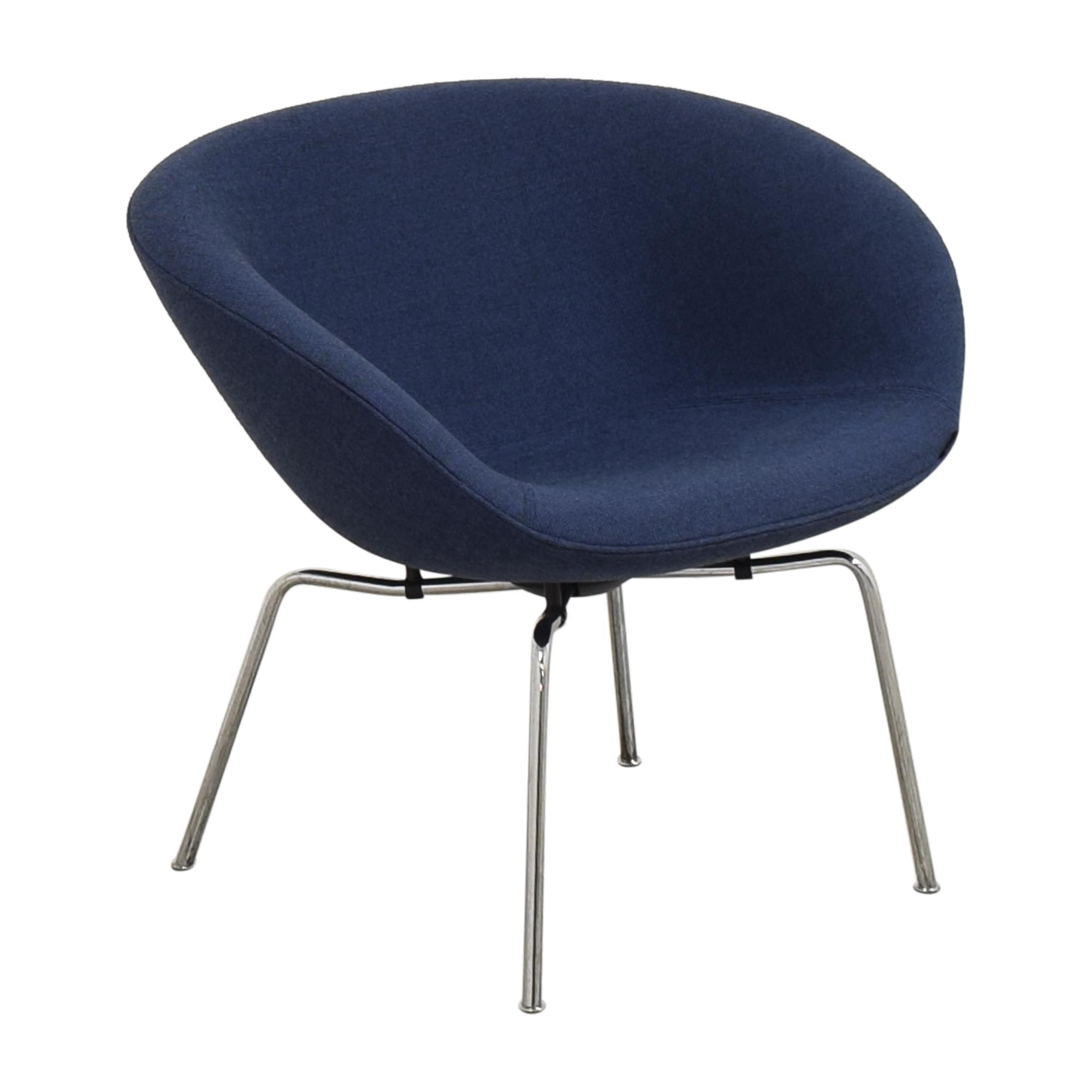 Fritz Hansen Fritz Hansen Pot Lounge Chair by Arne Jacobsen