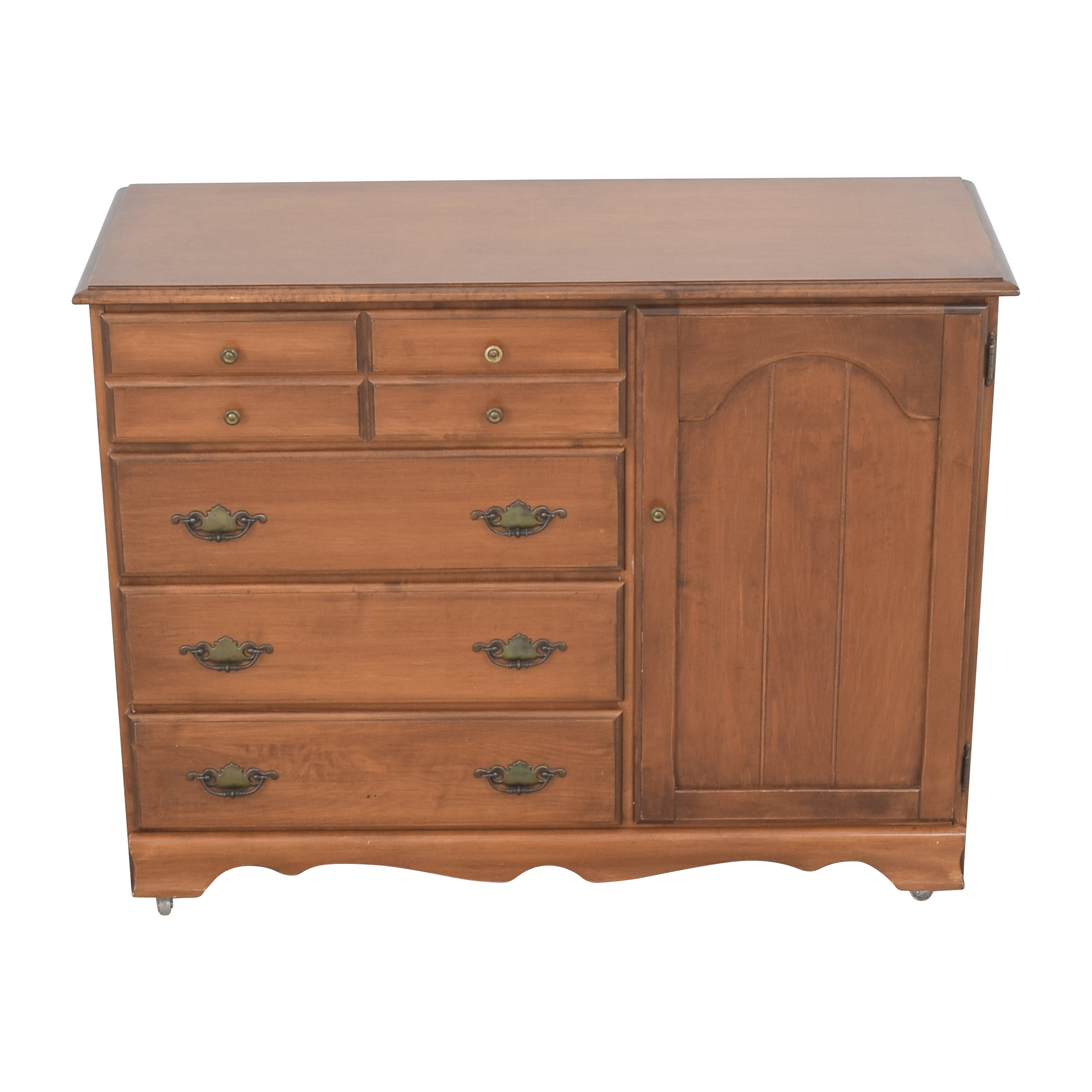 Four Drawer Dresser with Cabinet / Dressers