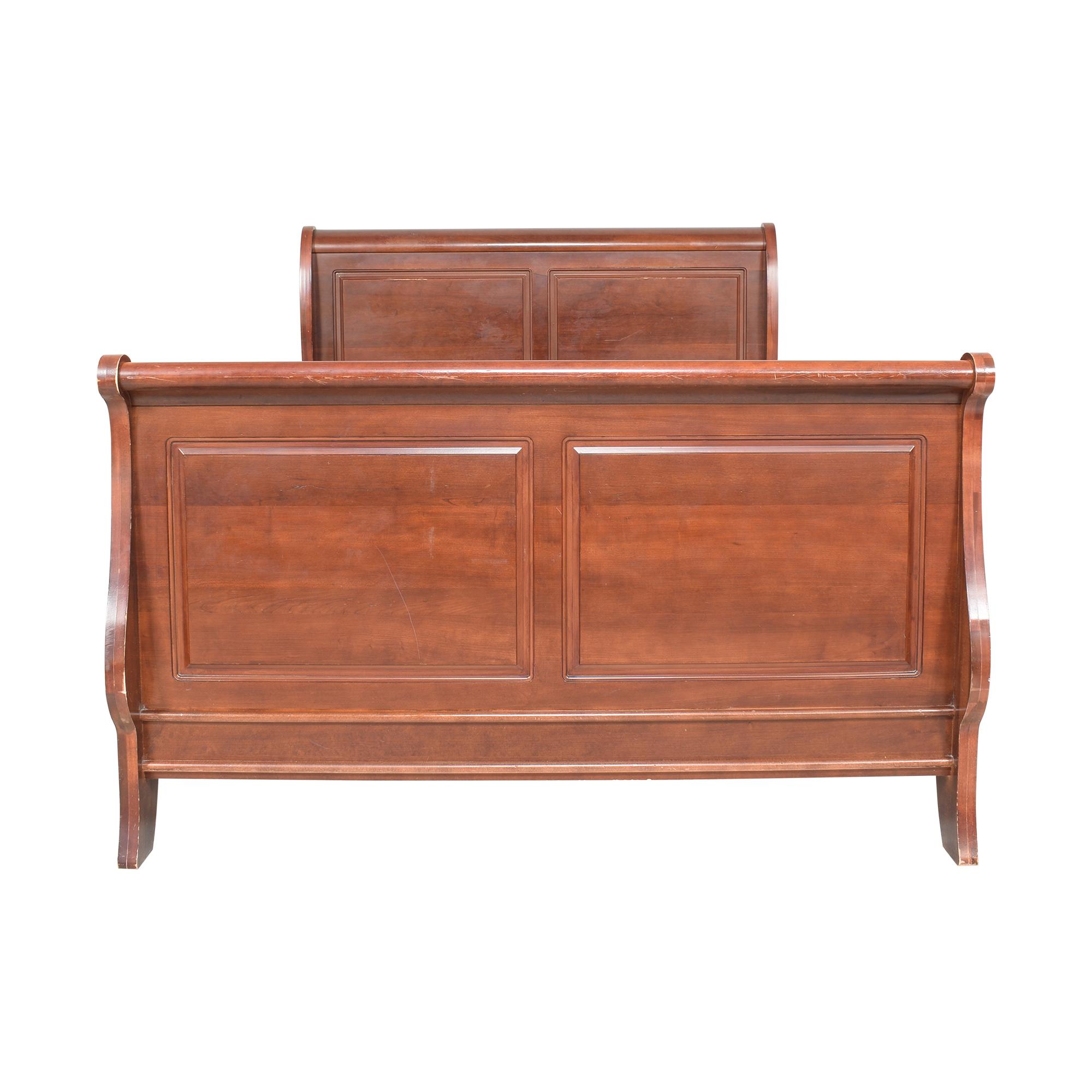 Vaughan-Bassett Vaughan-Bassett Louis Queen Sleigh Bed on sale