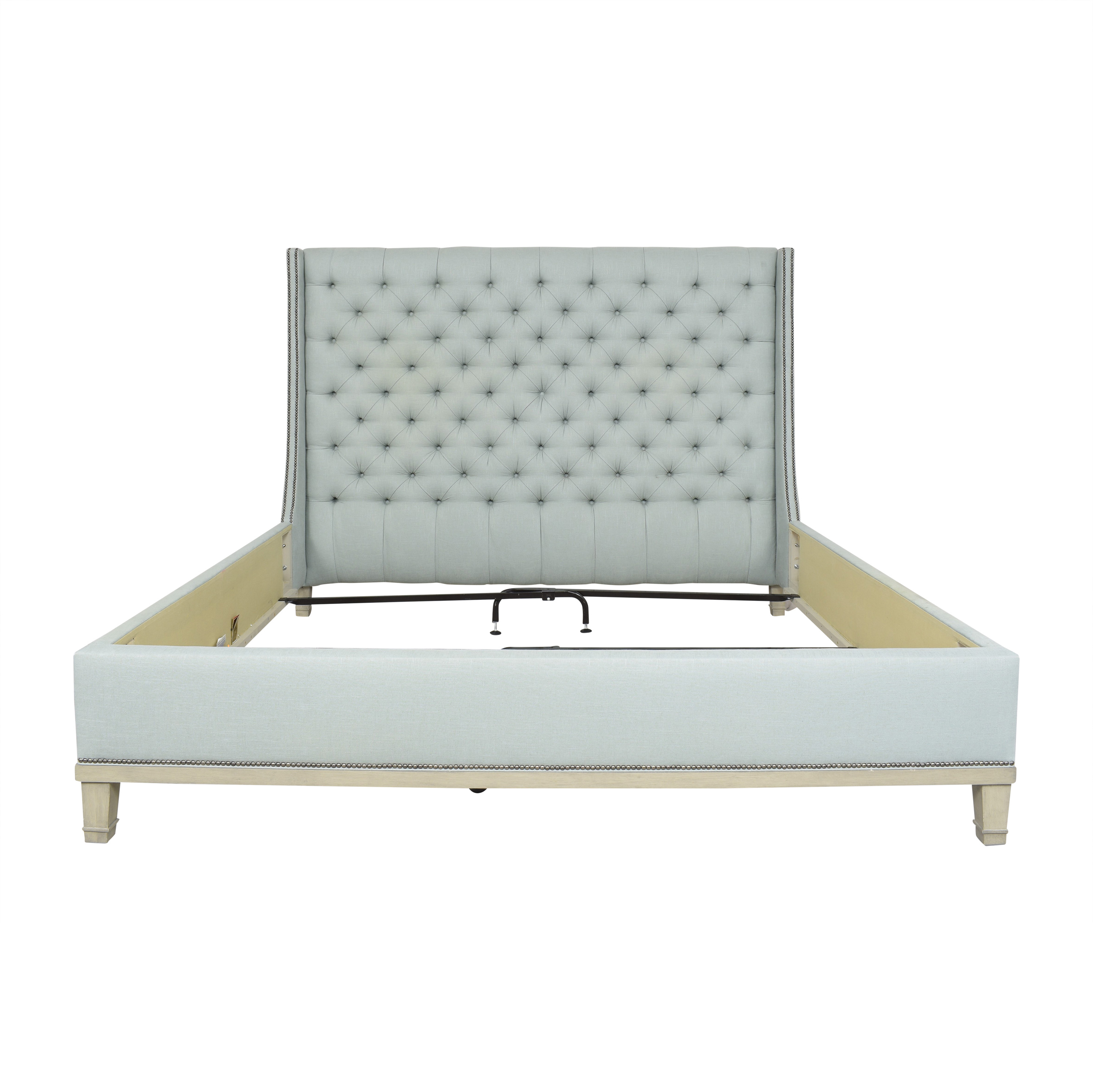 Vanguard Furniture Vanguard Furniture Michael Weiss Cleo Tufted California King Bed  pa