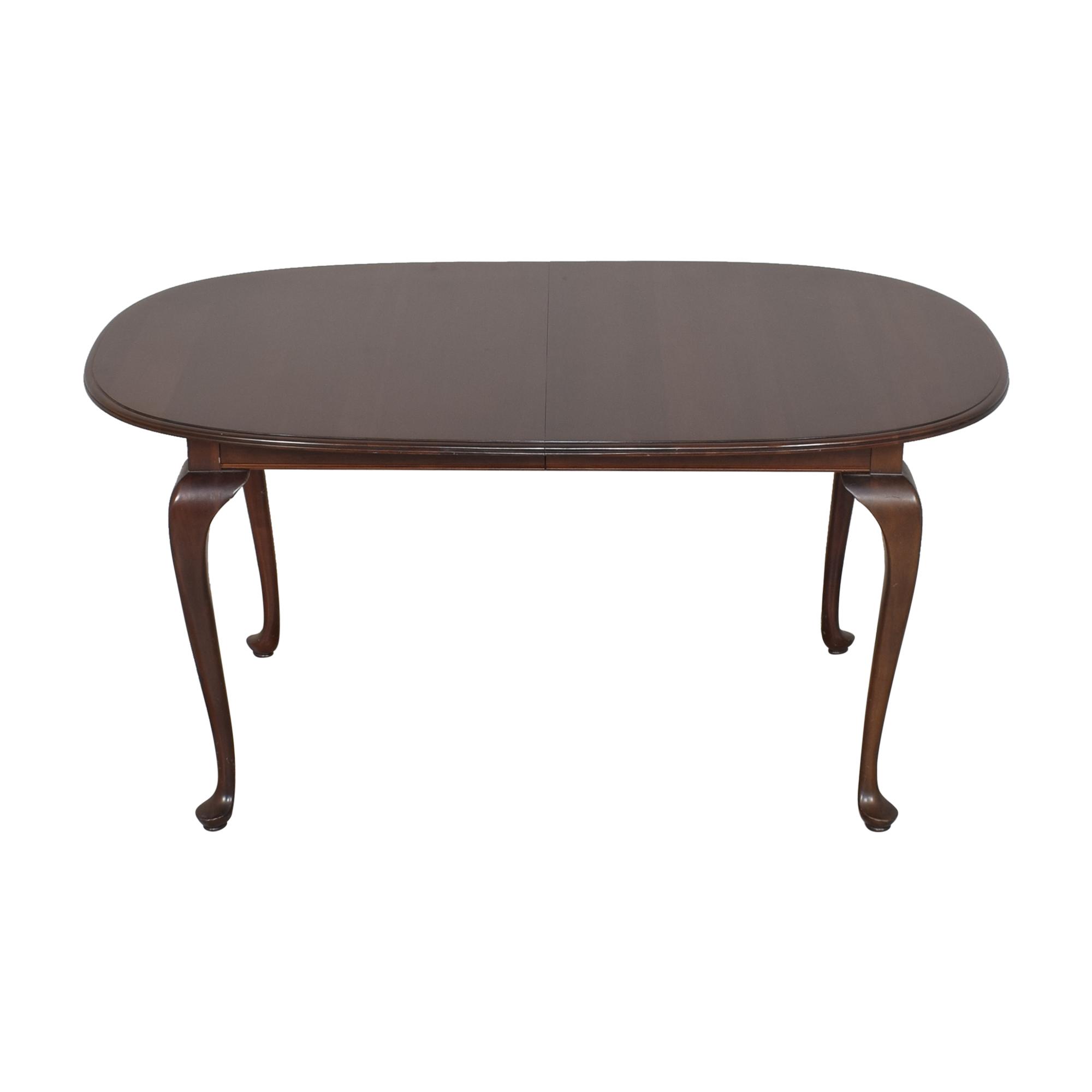 Ethan Allen Ethan Allen Georgian Court Oval Extendable Dining Table nj