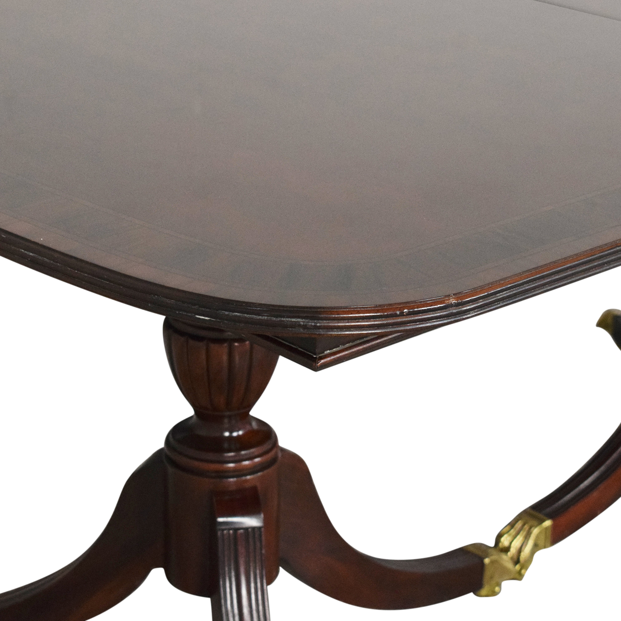 Thomasville Extendable Dining Table / Tables