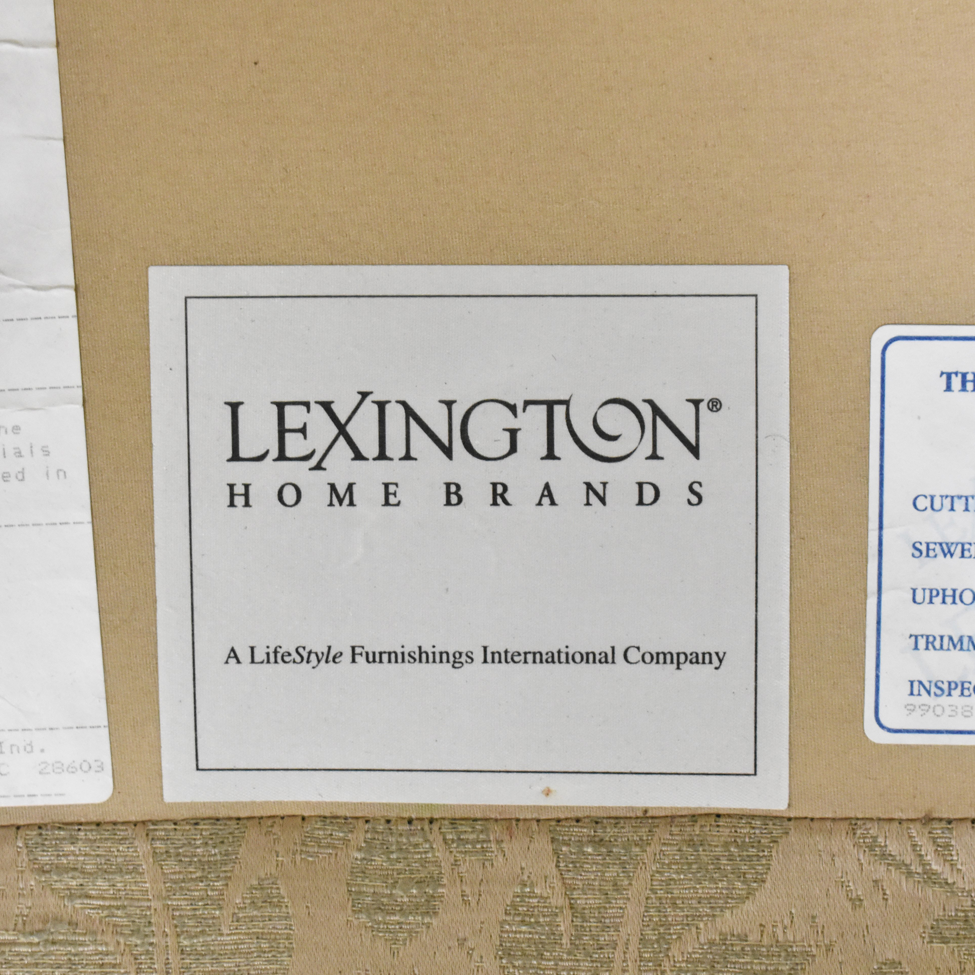 Lexington Furniture Lexington Furniture Skirted Roll Arm Sofa Sofas