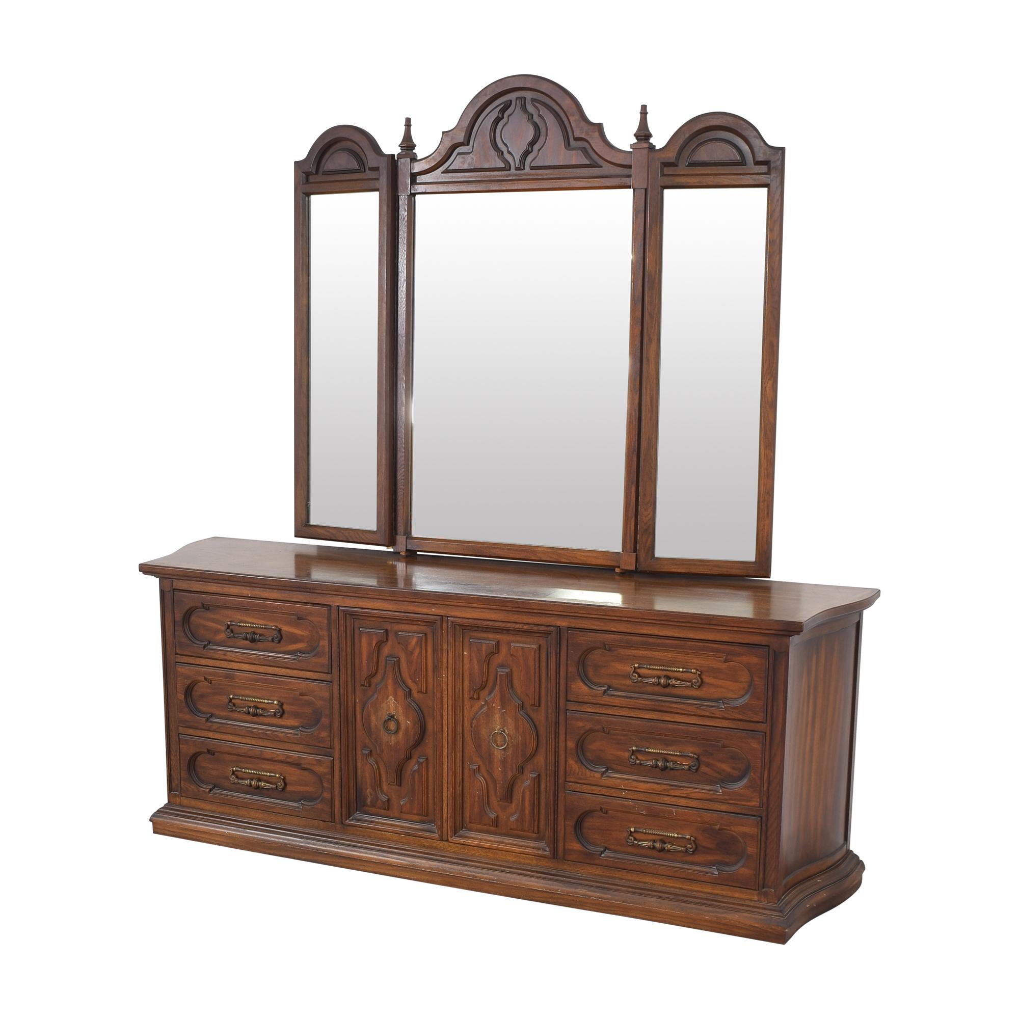Vintage Triple Dresser with Trifold Mirror nj