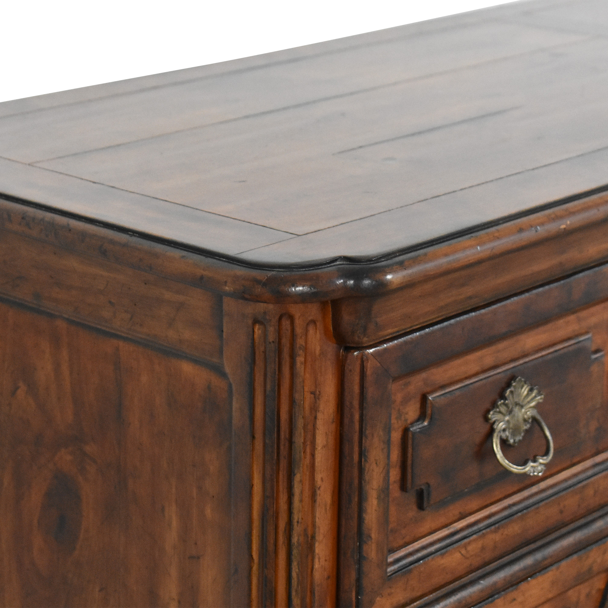 Henredon Furniture Henredon Six Drawer Double Dresser dimensions
