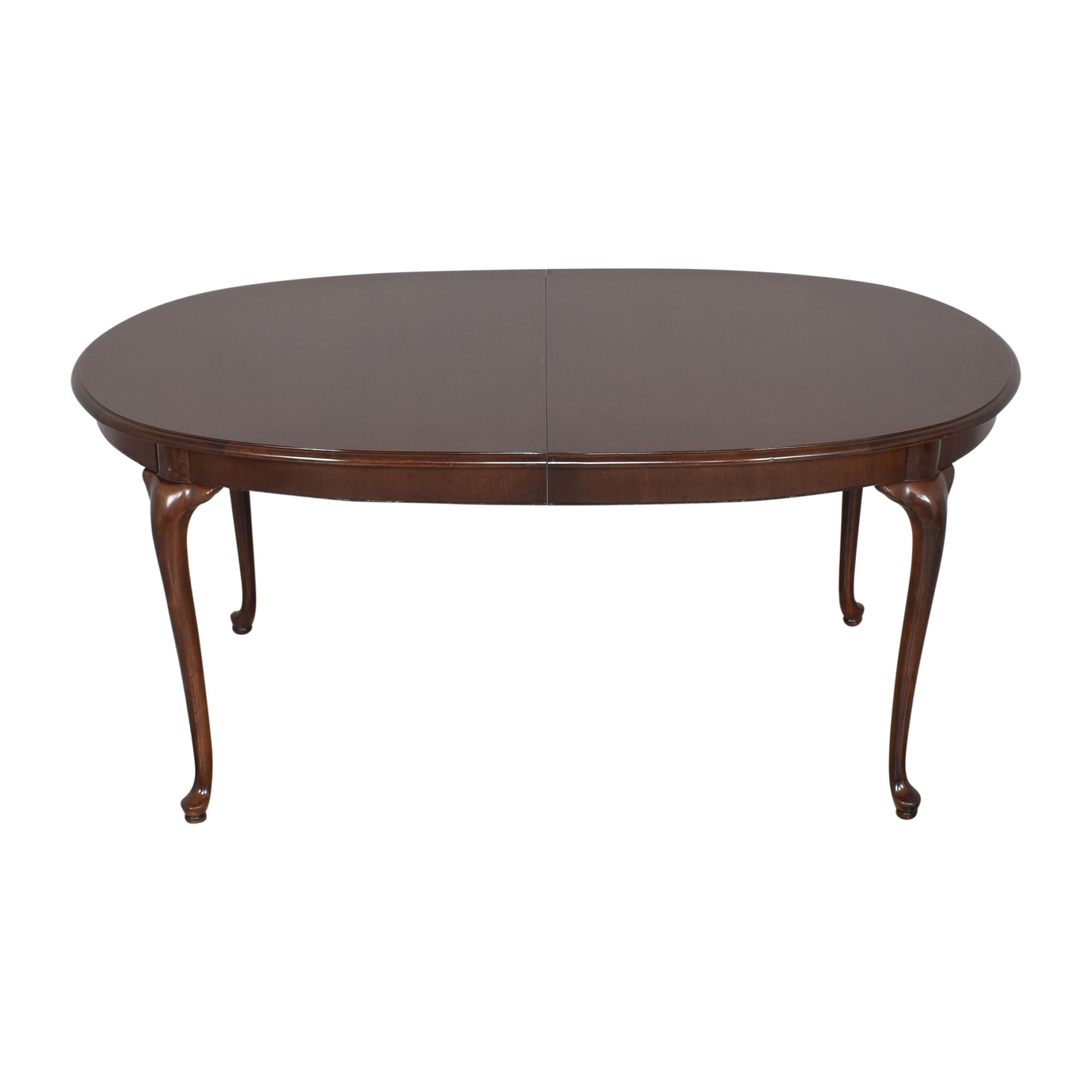 Thomasville Thomasville Queen Anne Extendable Dining Table dark brown