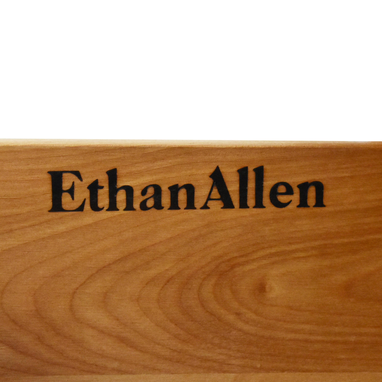 Ethan Allen Triple Dresser / Dressers