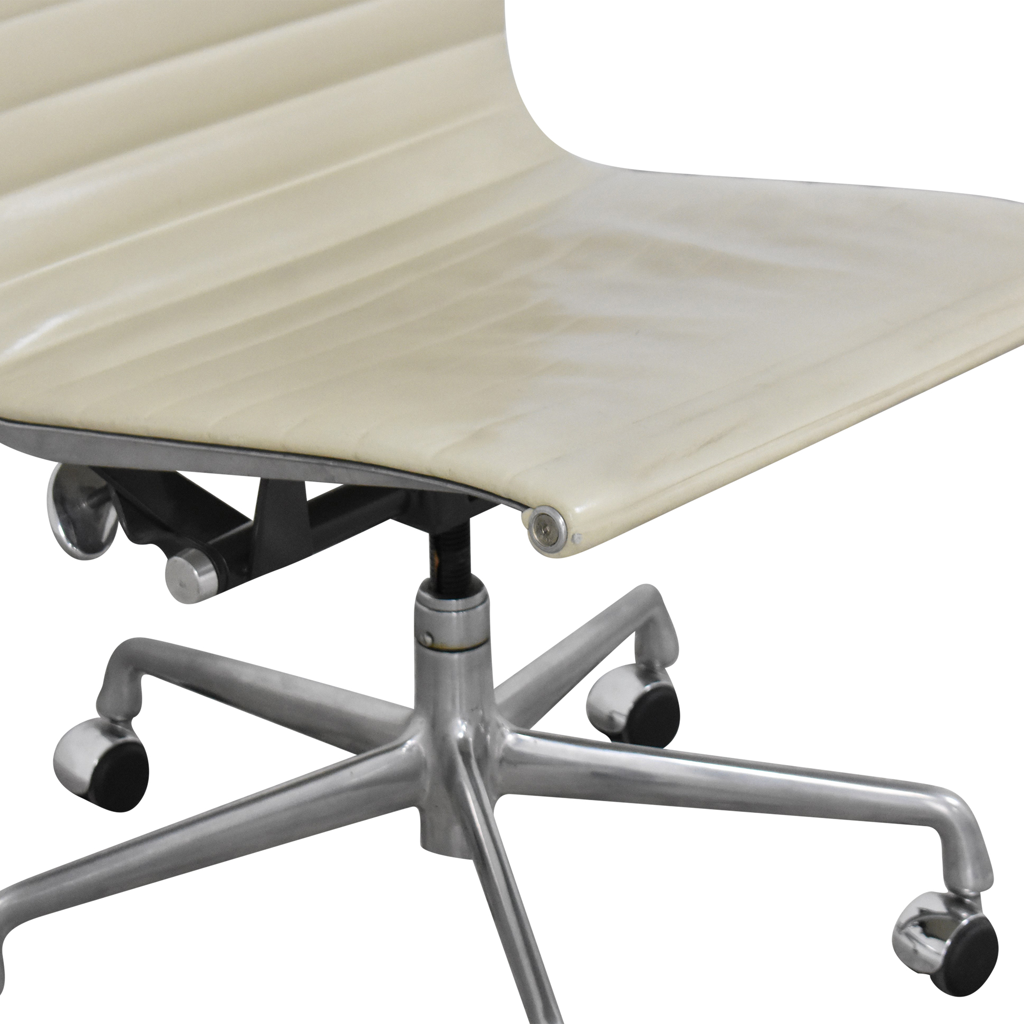 Knoll Eames Aluminum Group Management Chair / Chairs