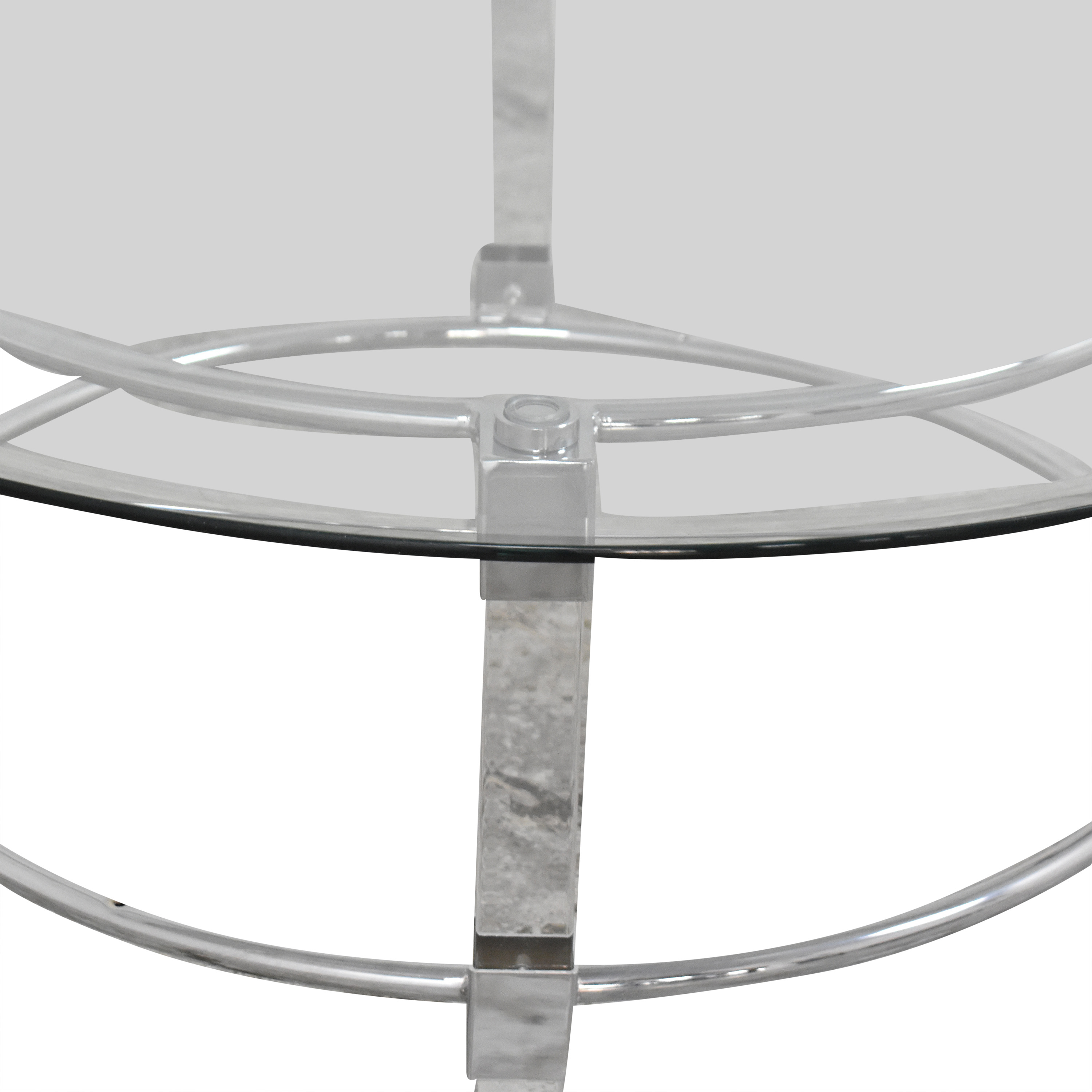 Raymour & Flanigan Greta Round Cocktail Table / Coffee Tables