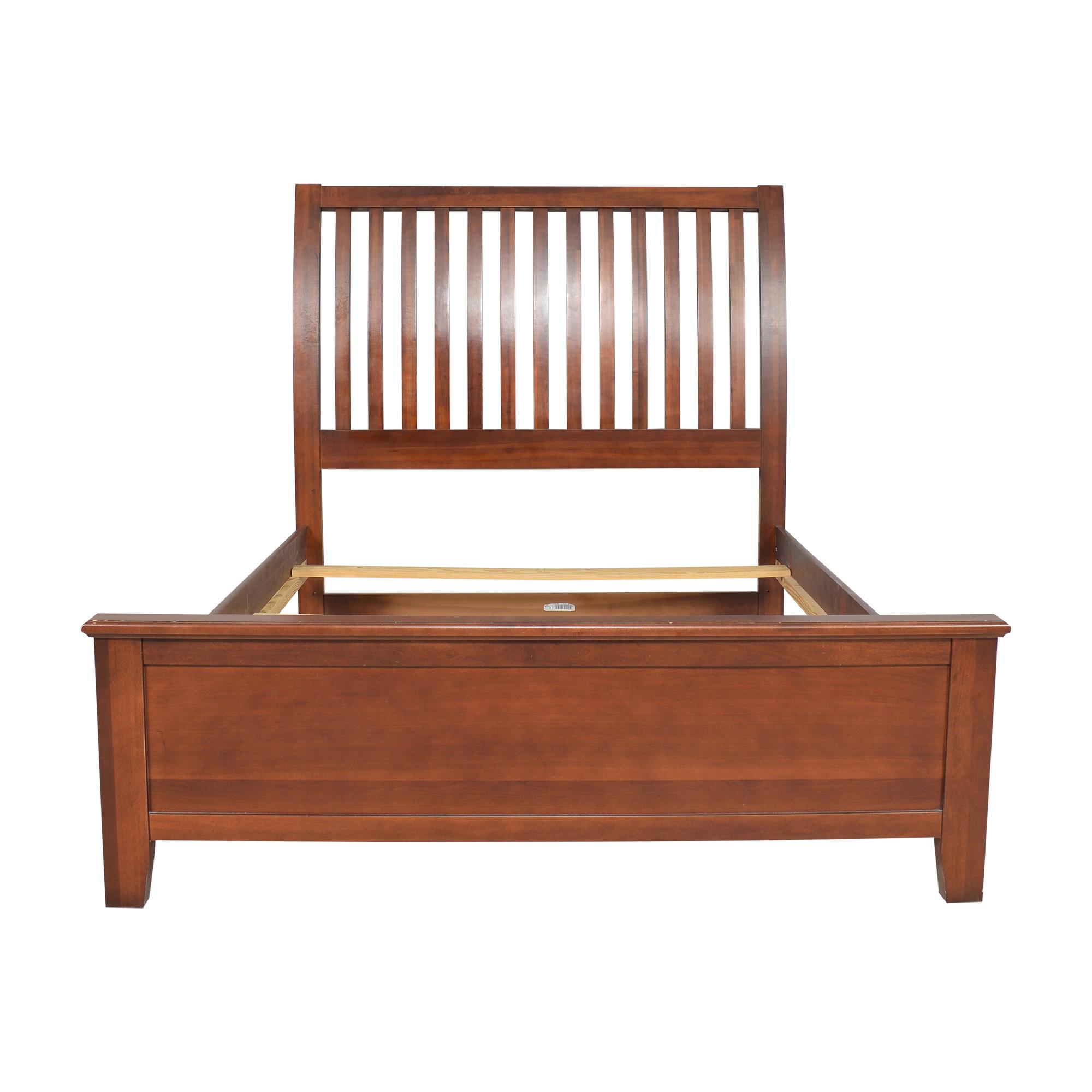 Vaughan-Bassett Queen Slat Bed / Beds