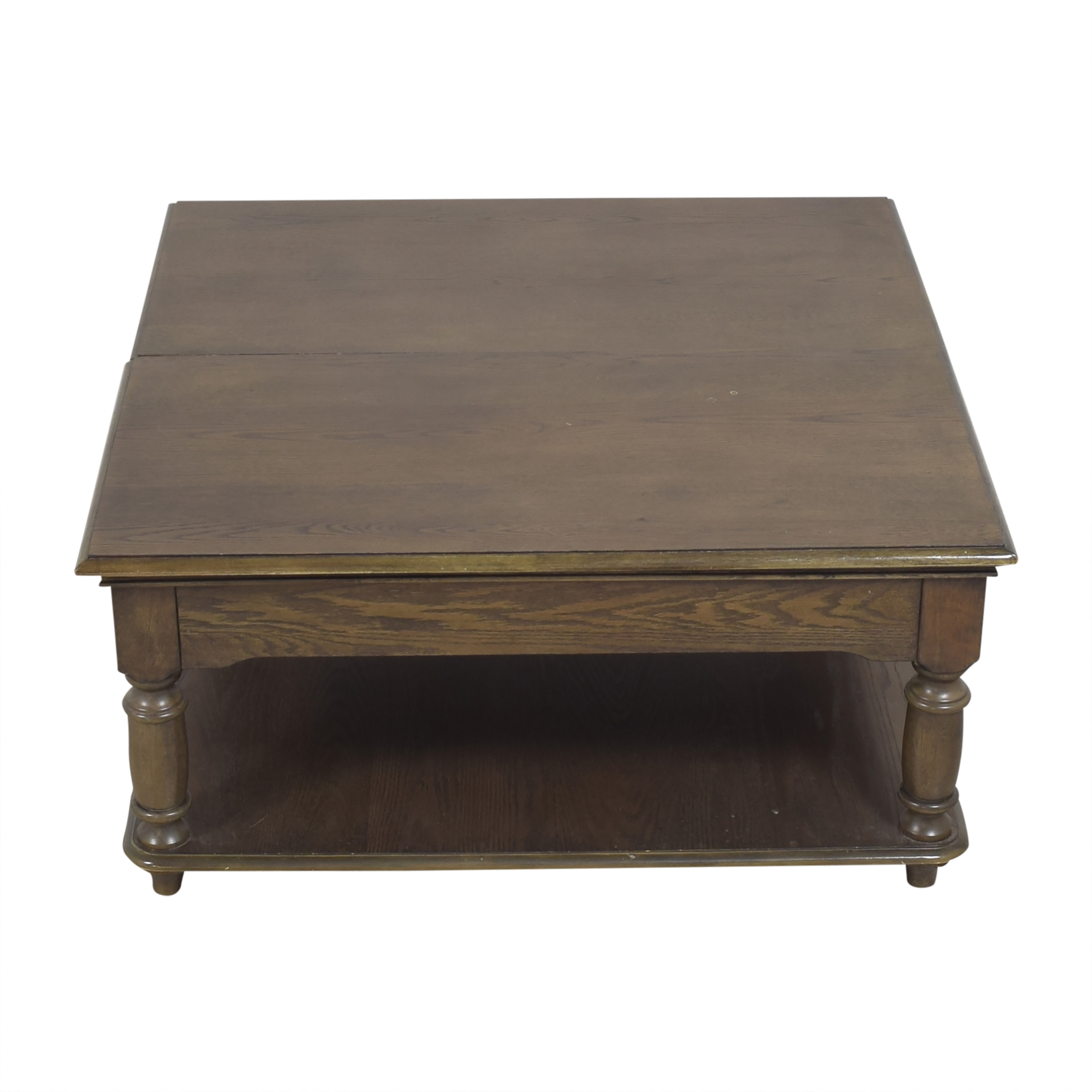 Riverside Furniture Square Lift-Top Coffee Table / Tables