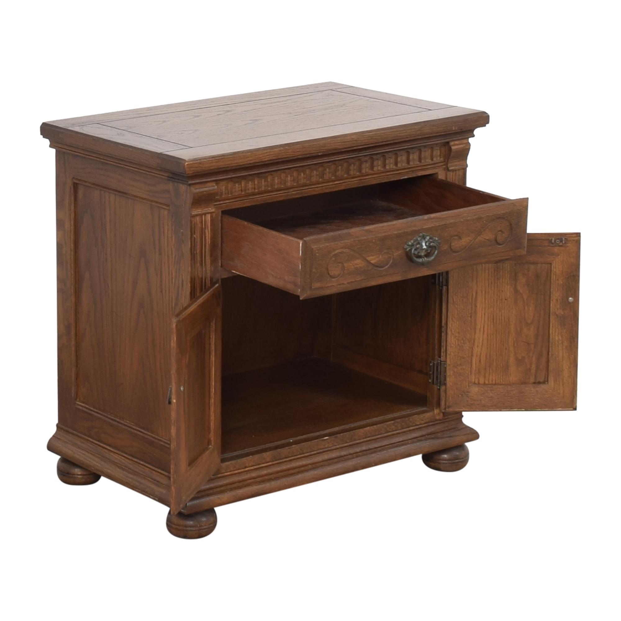 Ethan Allen Royal Charter Commode Nightstand  / End Tables