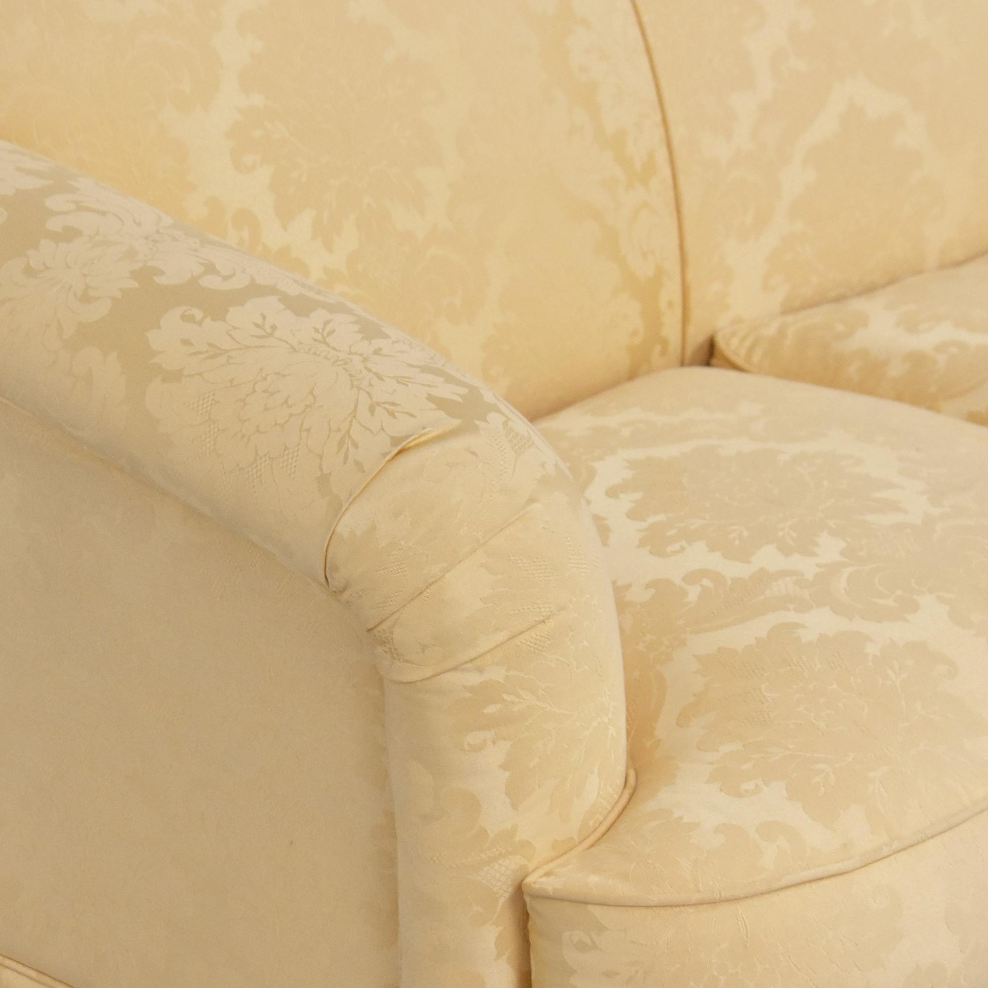 Thomasville Thomasville Scalloped Three Cushion Sofa Classic Sofas
