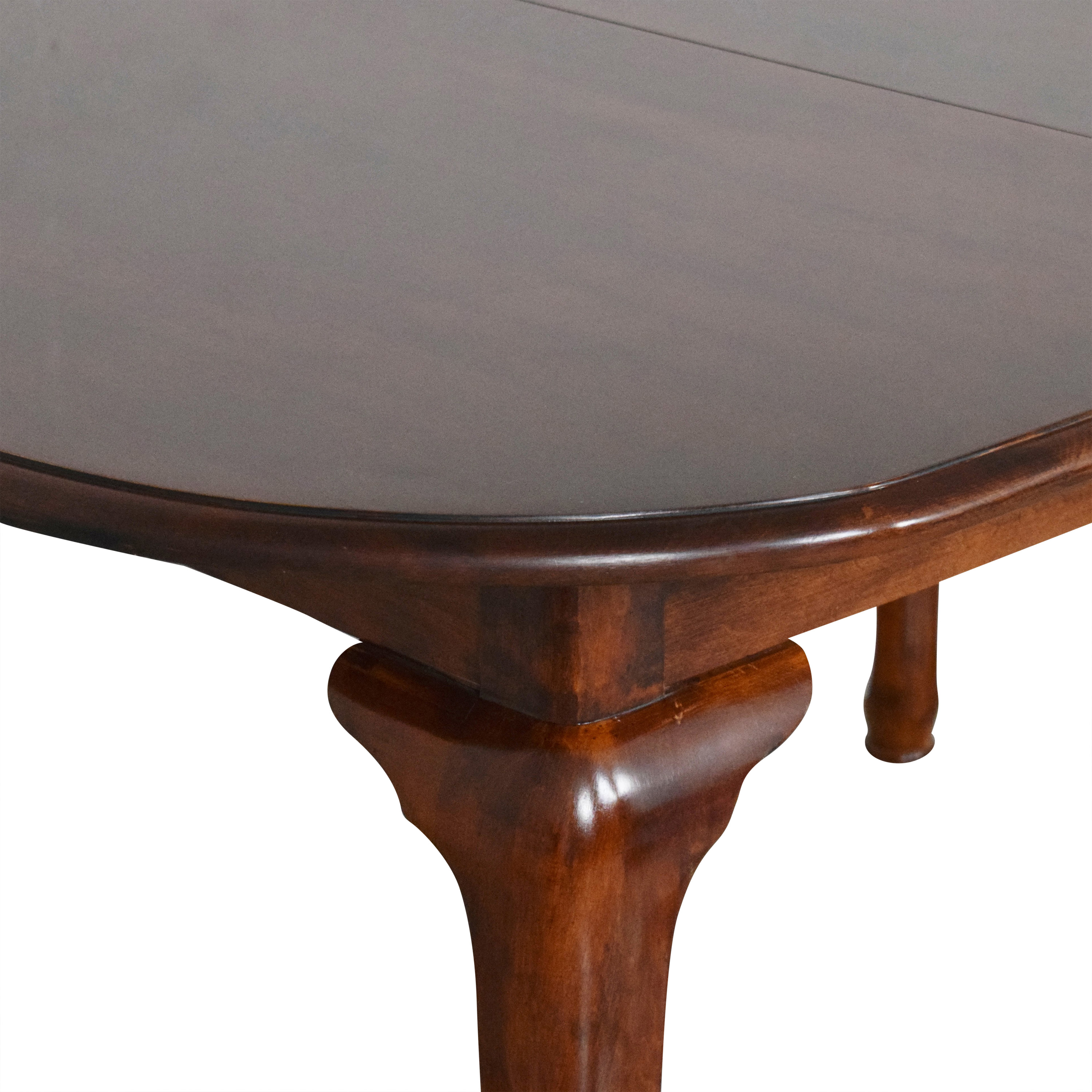 Queen Anne Extendable Dining Table brown