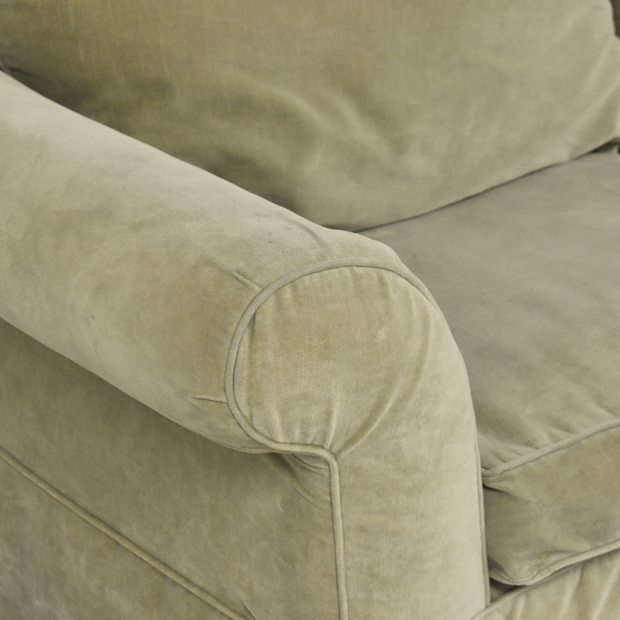 Southern Furniture of Conover Southern of Conover Roll Arm Sofa used