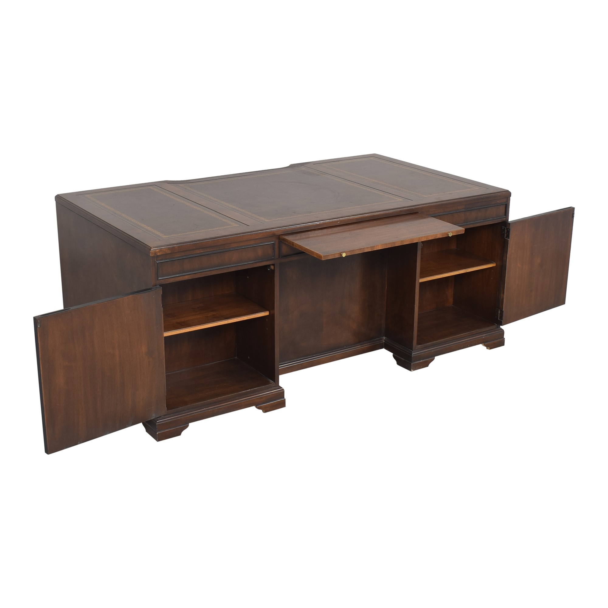 Executive Desk with Drawers and Cabinets ma