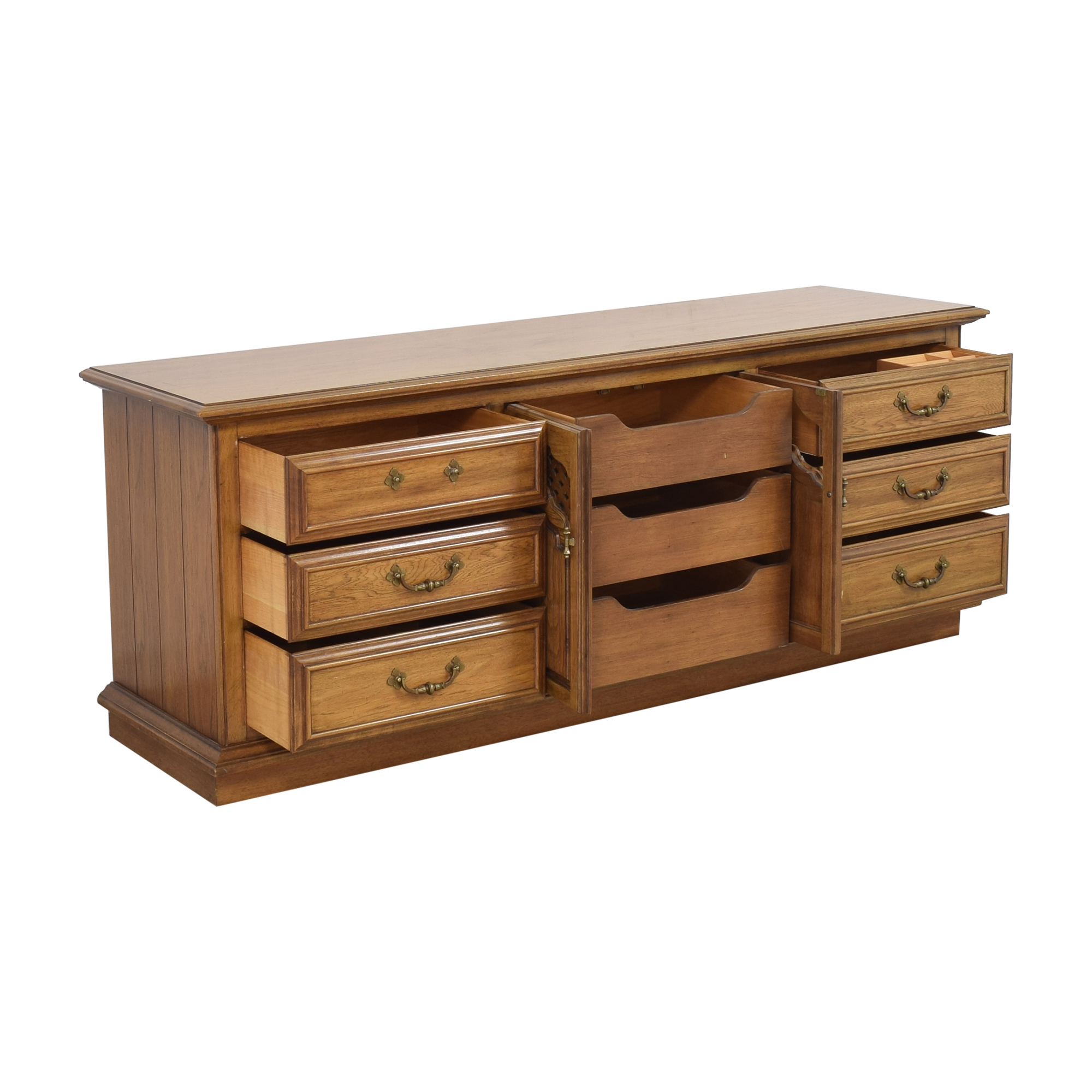 Thomasville Thomasville Triple Dresser with Cabinet pa