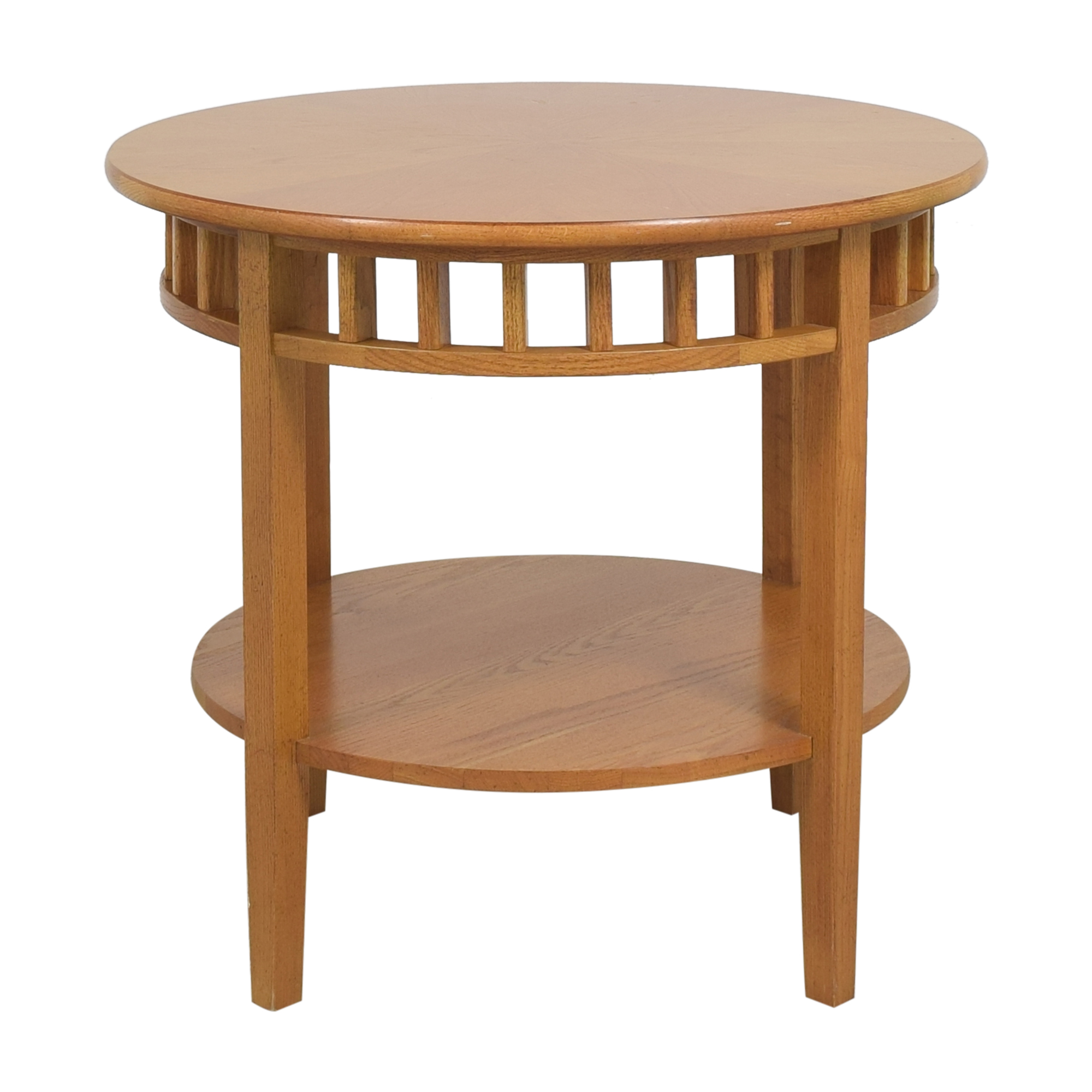 Stanley Furniture Round Accent Table / Tables