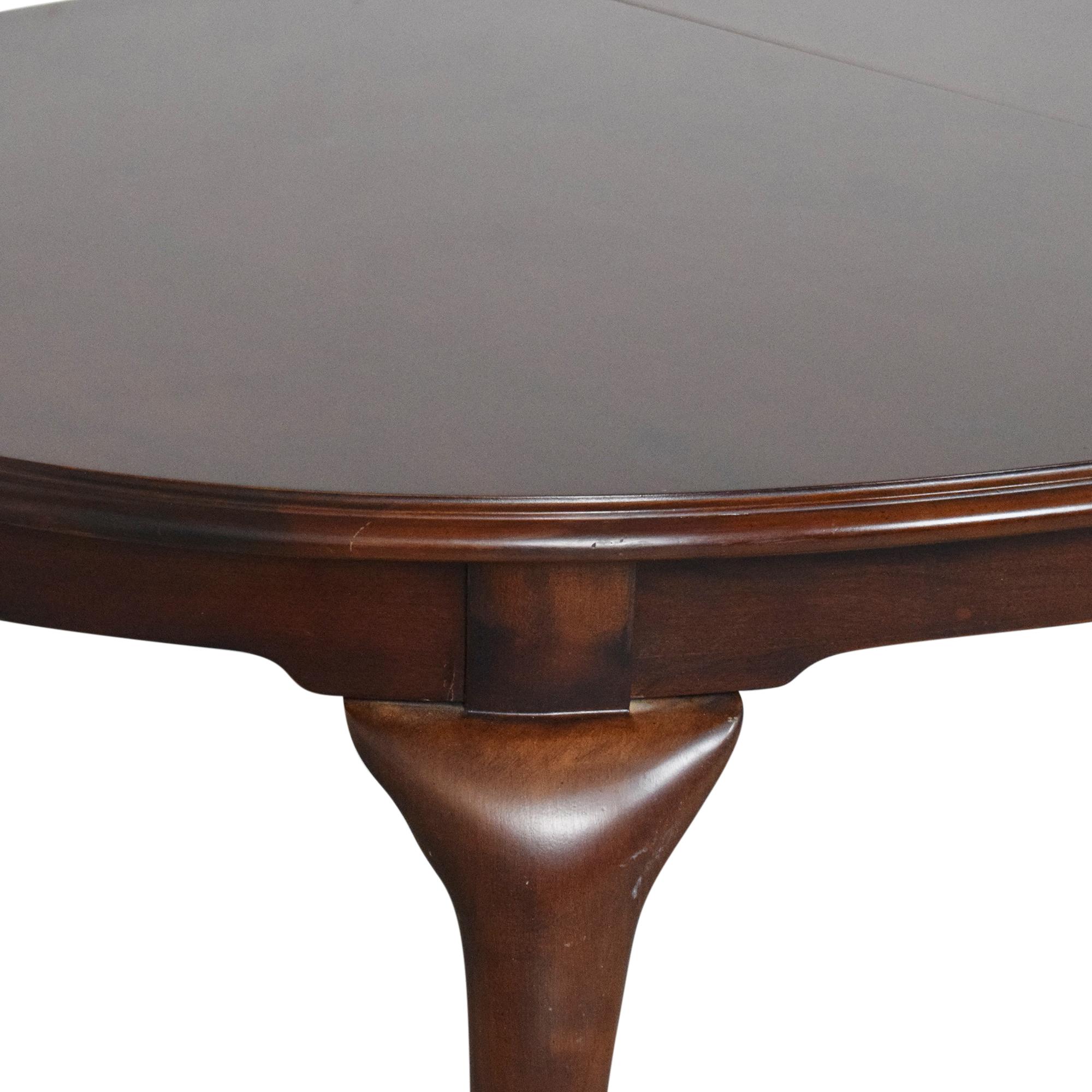 Bernhardt Bernhardt Queen Anne Oval Extendable Dining Table ma