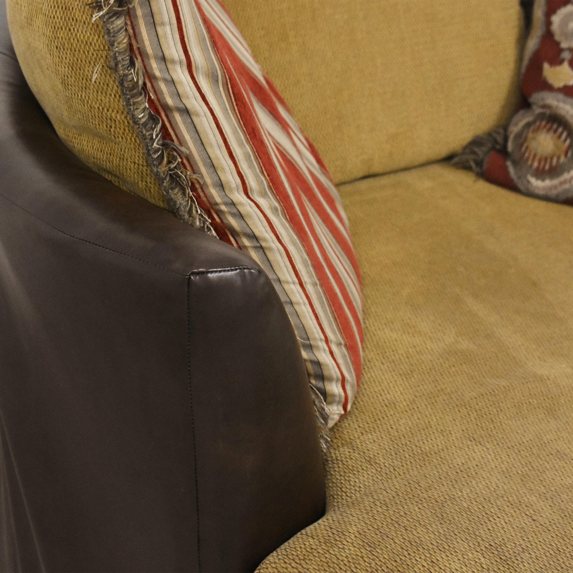 Albany Industries Newport Swivel Chair Albany Industries