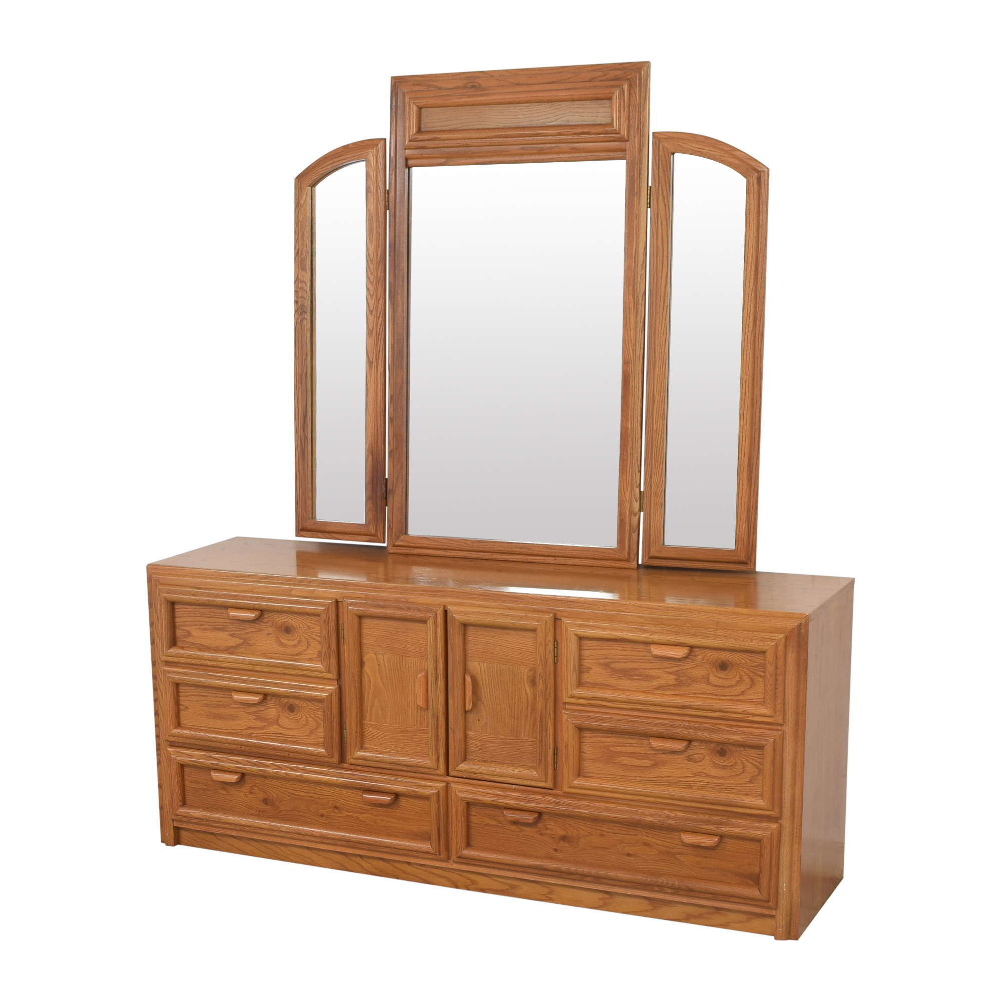 Bassett Furniture Bassett Triple Dresser With Trifold Mirror  dimensions