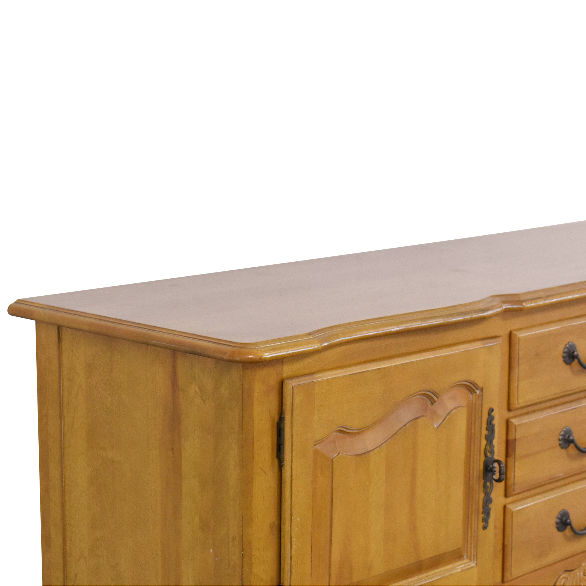 Ethan Allen Ethan Allen French Country Sideboard ct