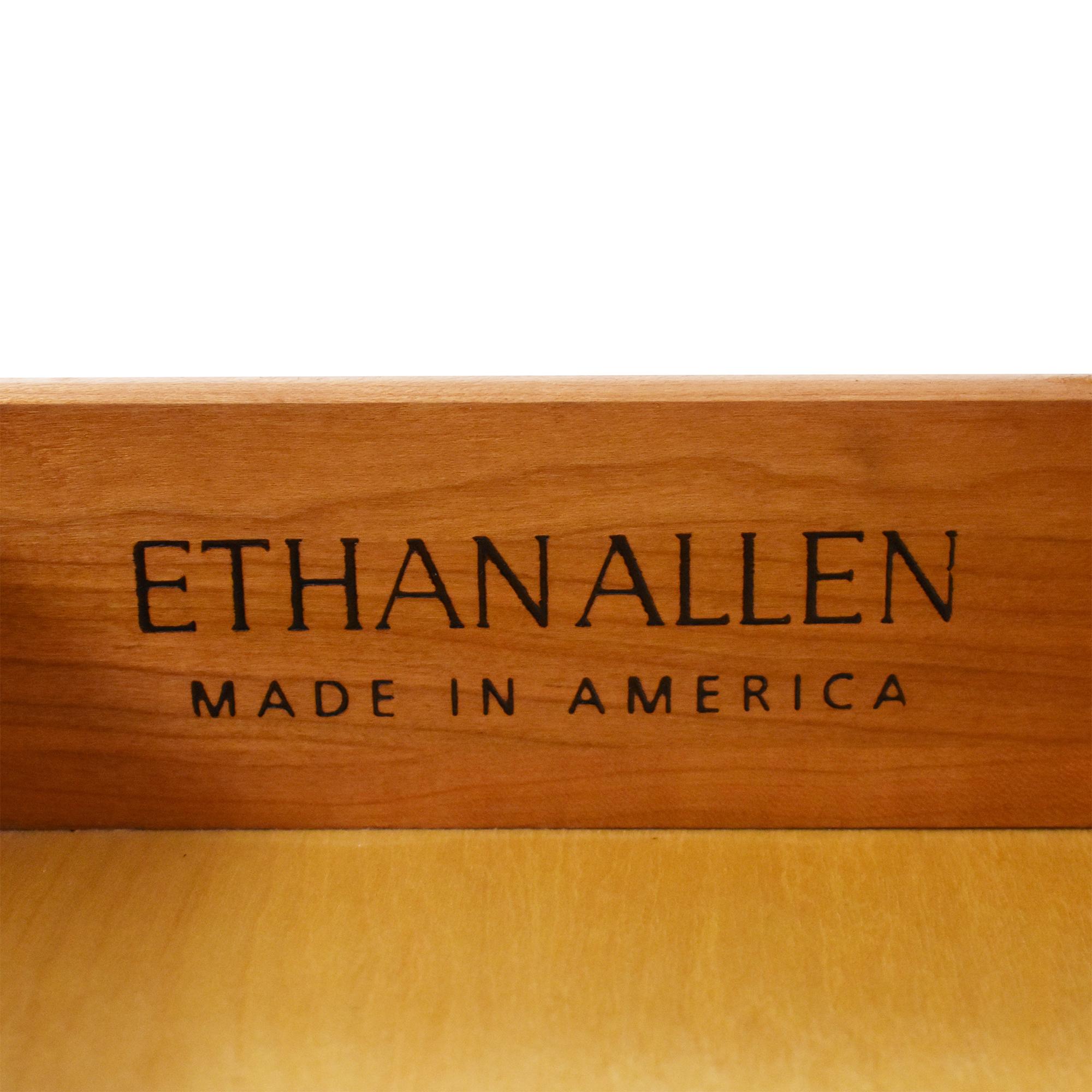 Ethan Allen Ethan Allen Queen Anne End Table ma