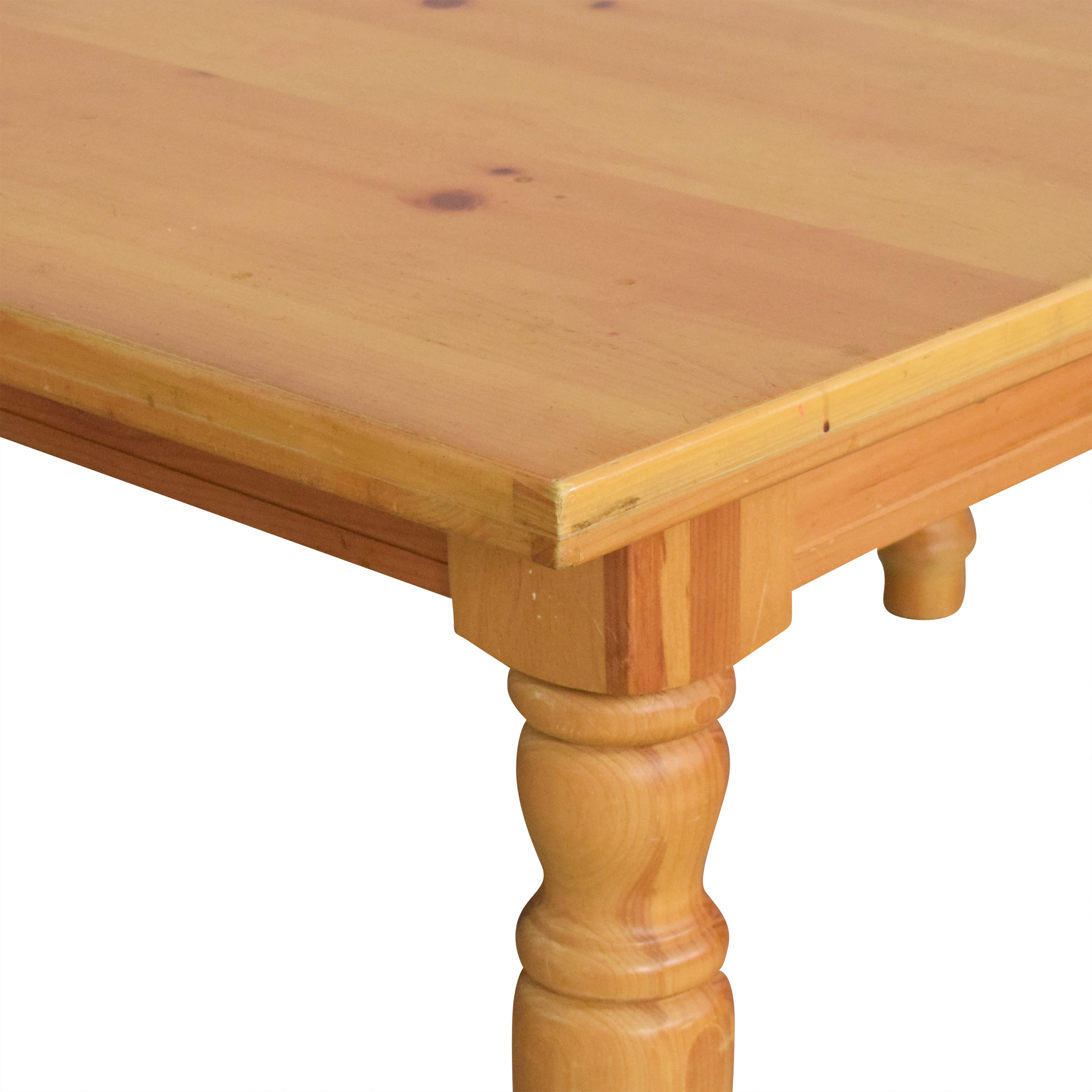 Broyhill Furniture Broyhill Extendable Dining Table second hand