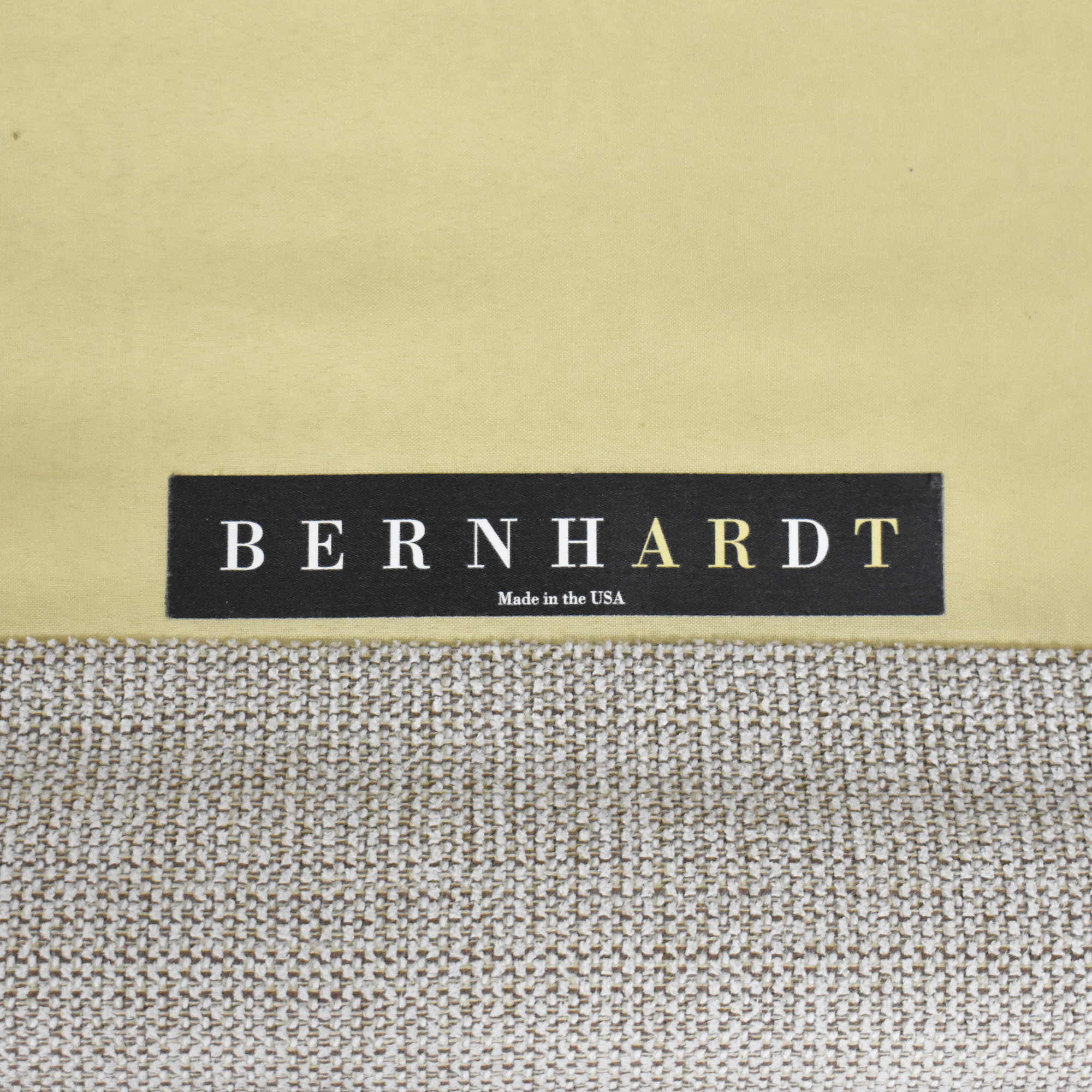 Bernhardt Bernhardt Roll Arm Nailhead Sofa ct