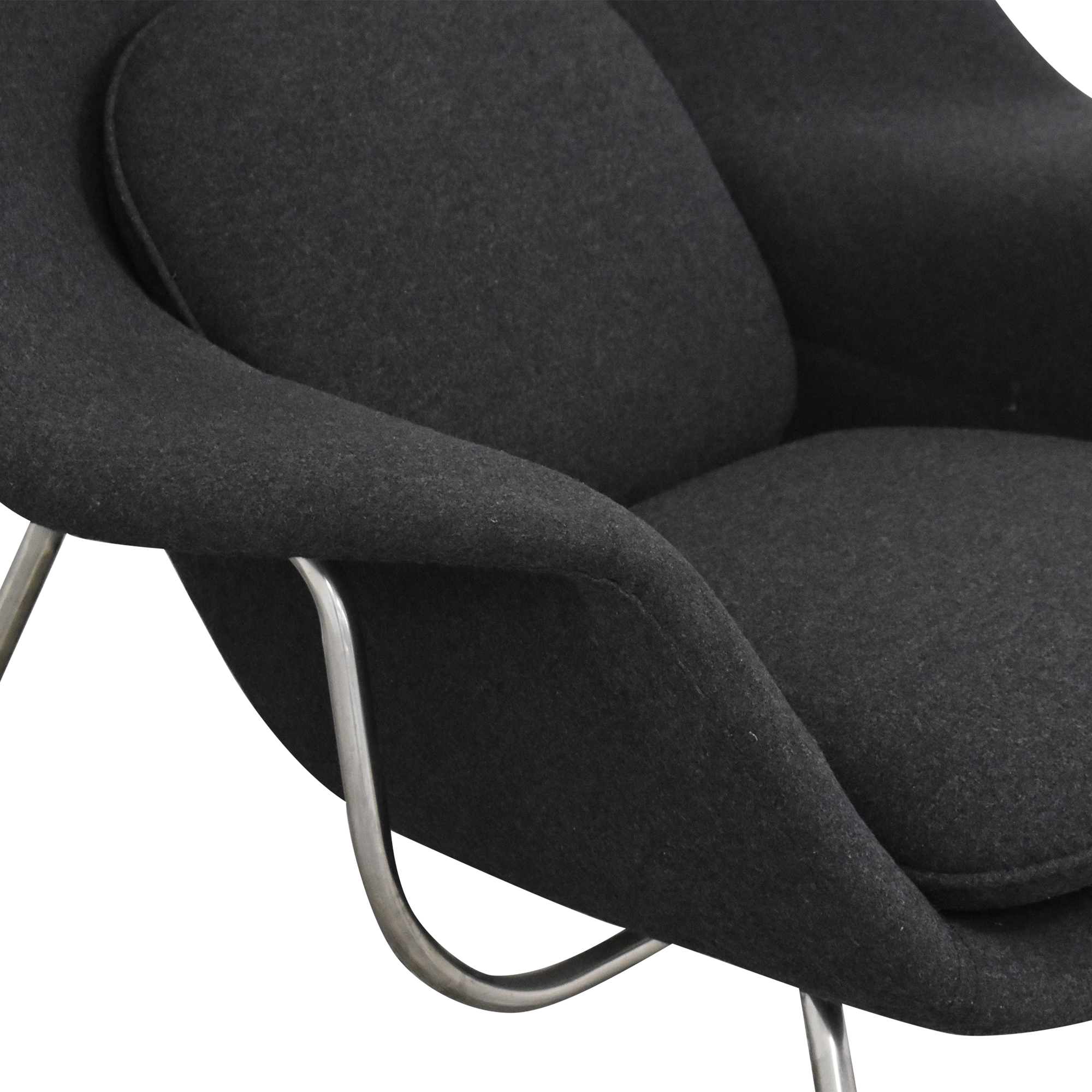 Womb-Style Replica Chair / Accent Chairs