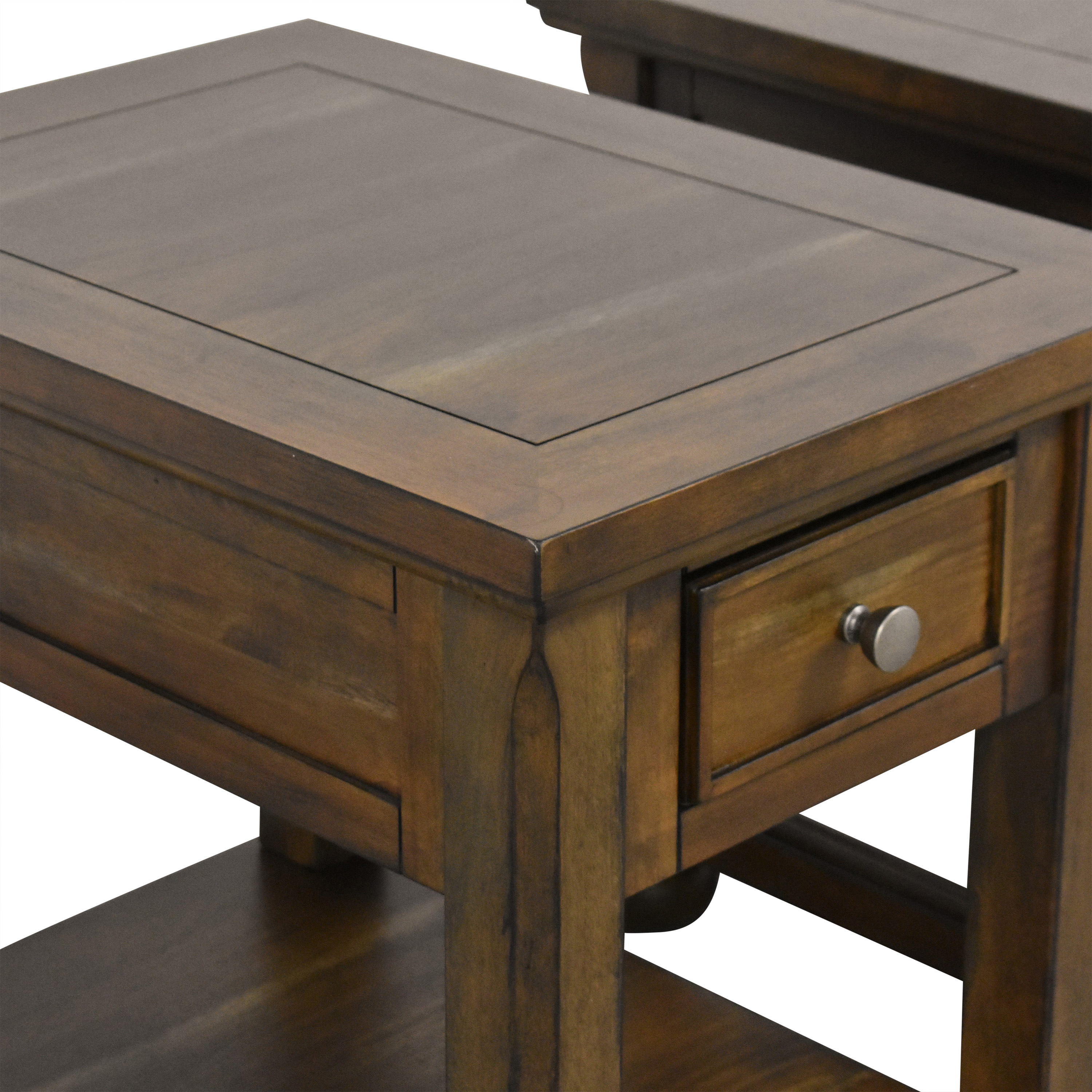 Ashley Furniture Porter Chairside End Tables / Tables
