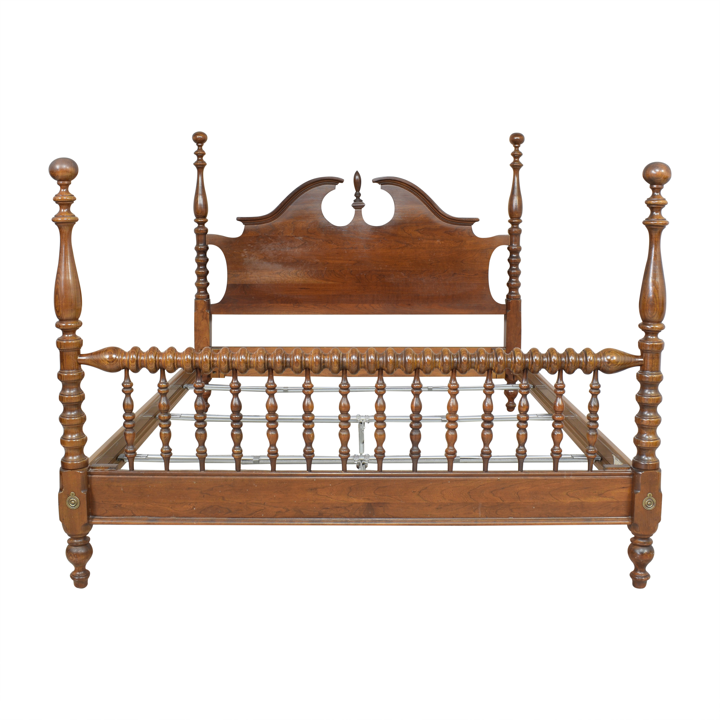 Chippendale-Style Poster Queen Bed