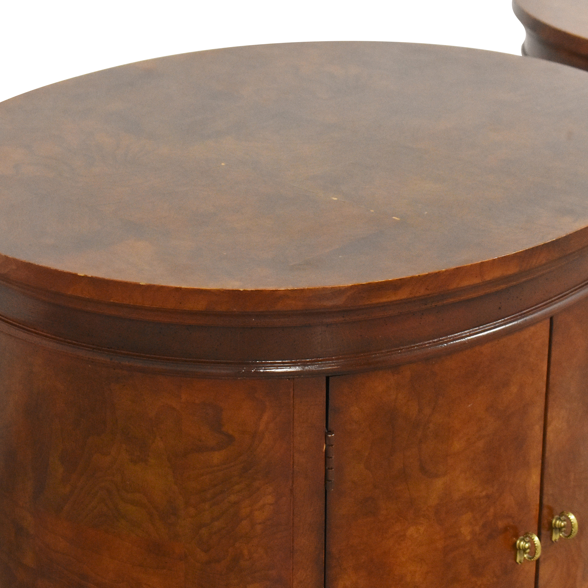 Hickory White Hickory White Oval Nightstands