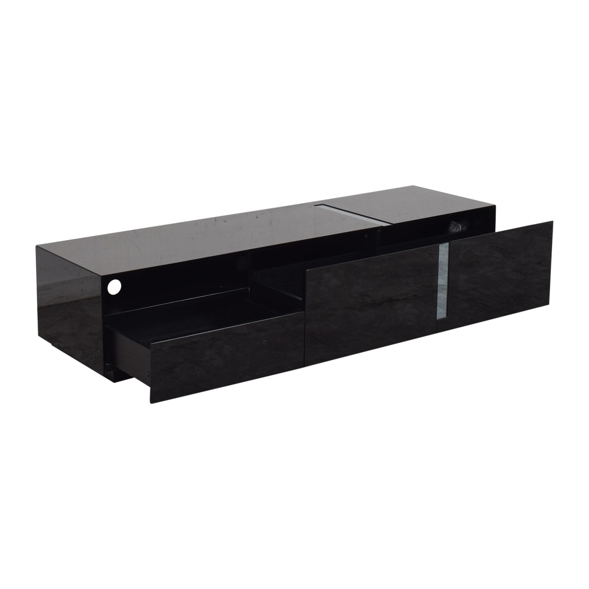 J&M Furniture J&M Furniture Modern TV Stand pa