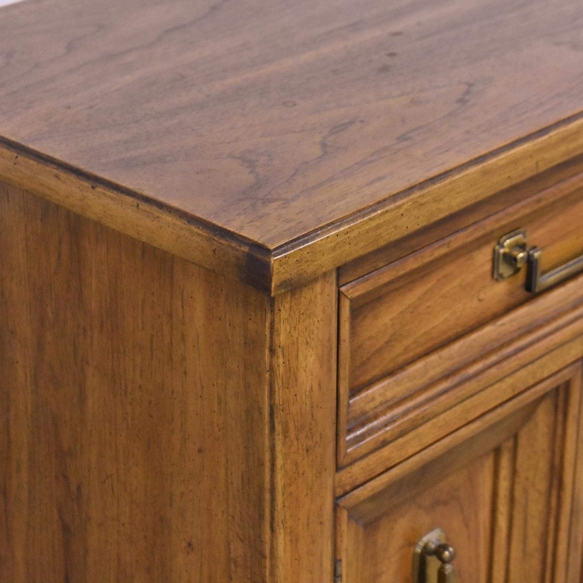 shop Thomasville Two Door Nightstands Thomasville End Tables