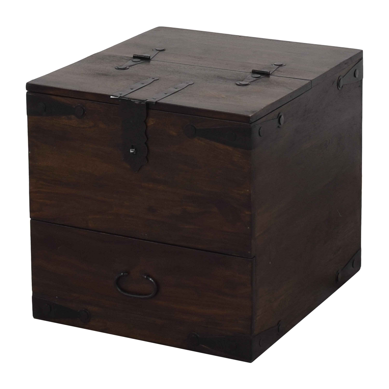 Crate & Barrel Crate & Barrel Taka Side Table ma
