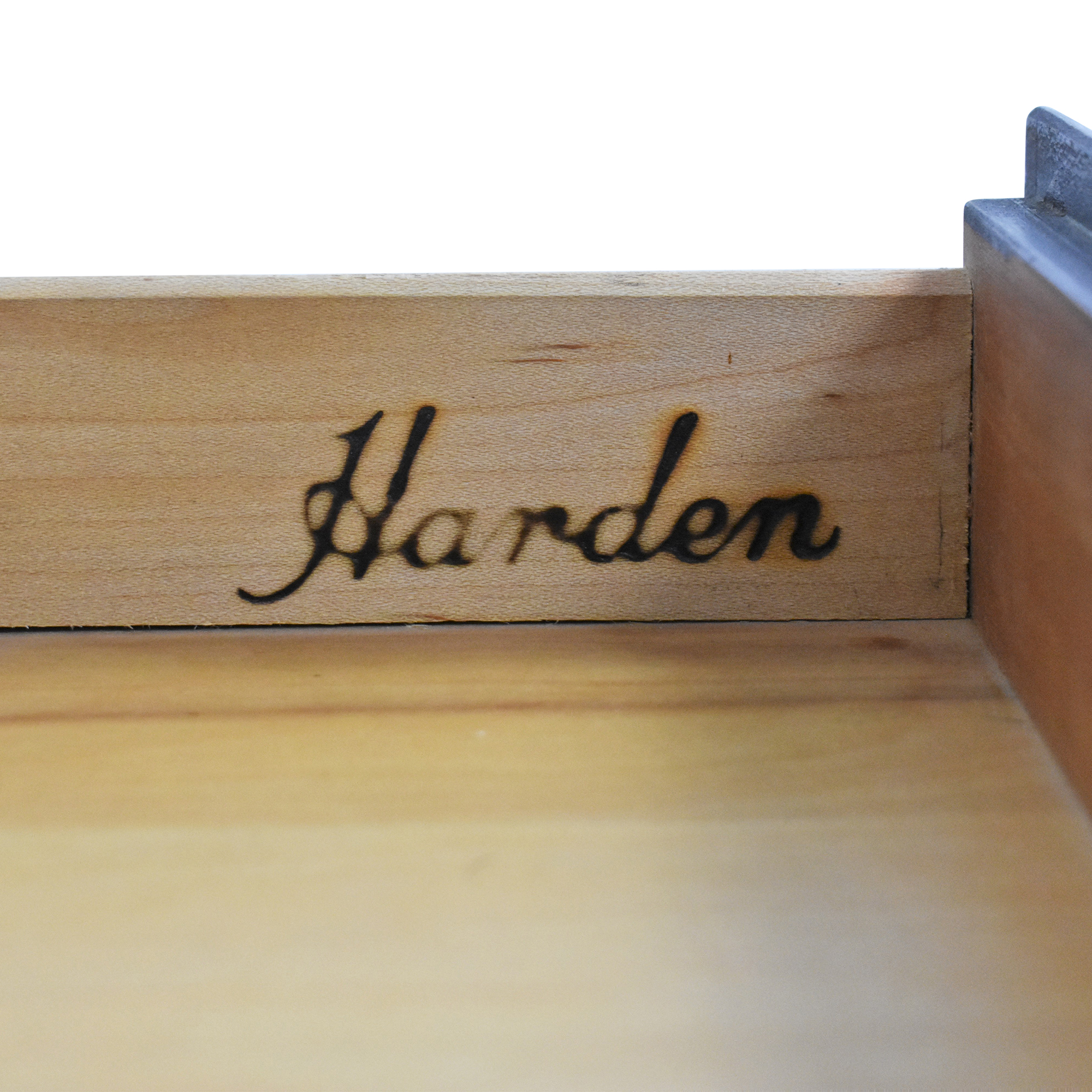 Harden Harden Chippendale-Style End Table pa