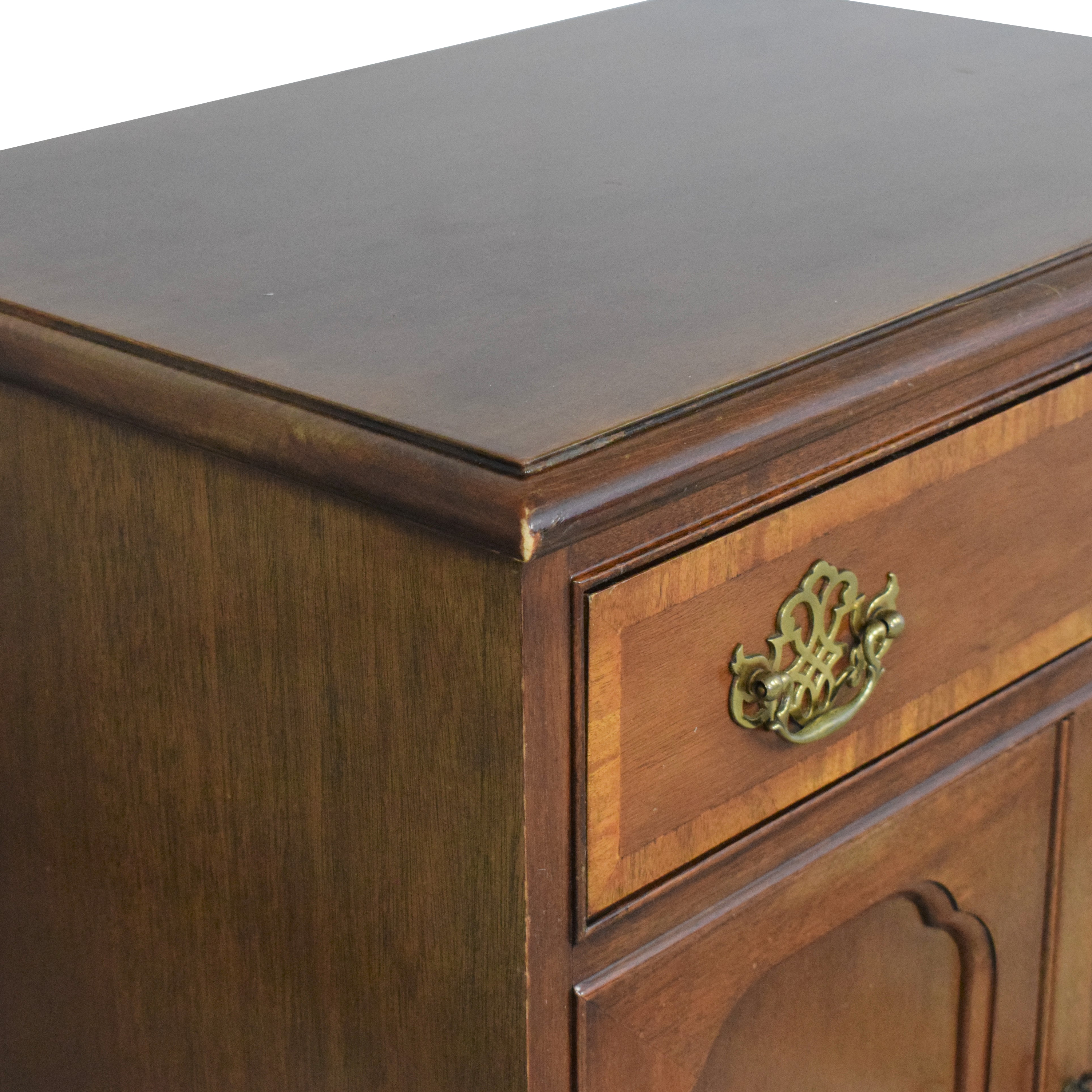 Hickory Chair Hickory Chair American Masterpiece Collection Nightstand dimensions