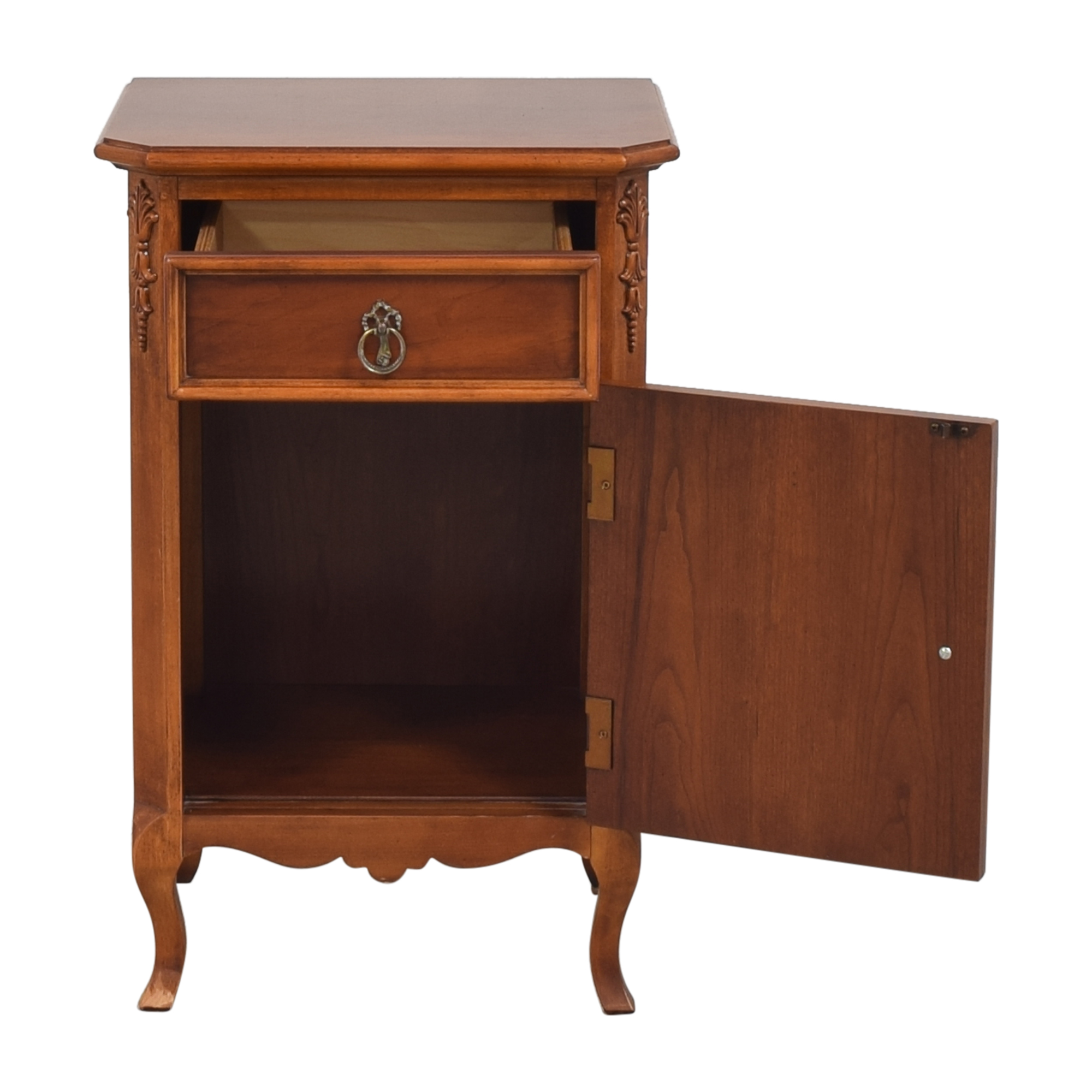 Lexington Furniture Lexington Furniture Lynn Hollyn Nightstand dimensions