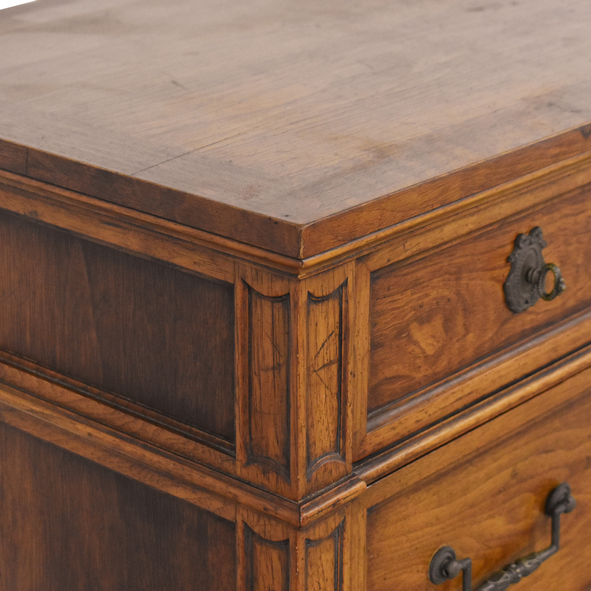 Henredon Furniture Henredon Eleven Drawer Triple Dresser discount