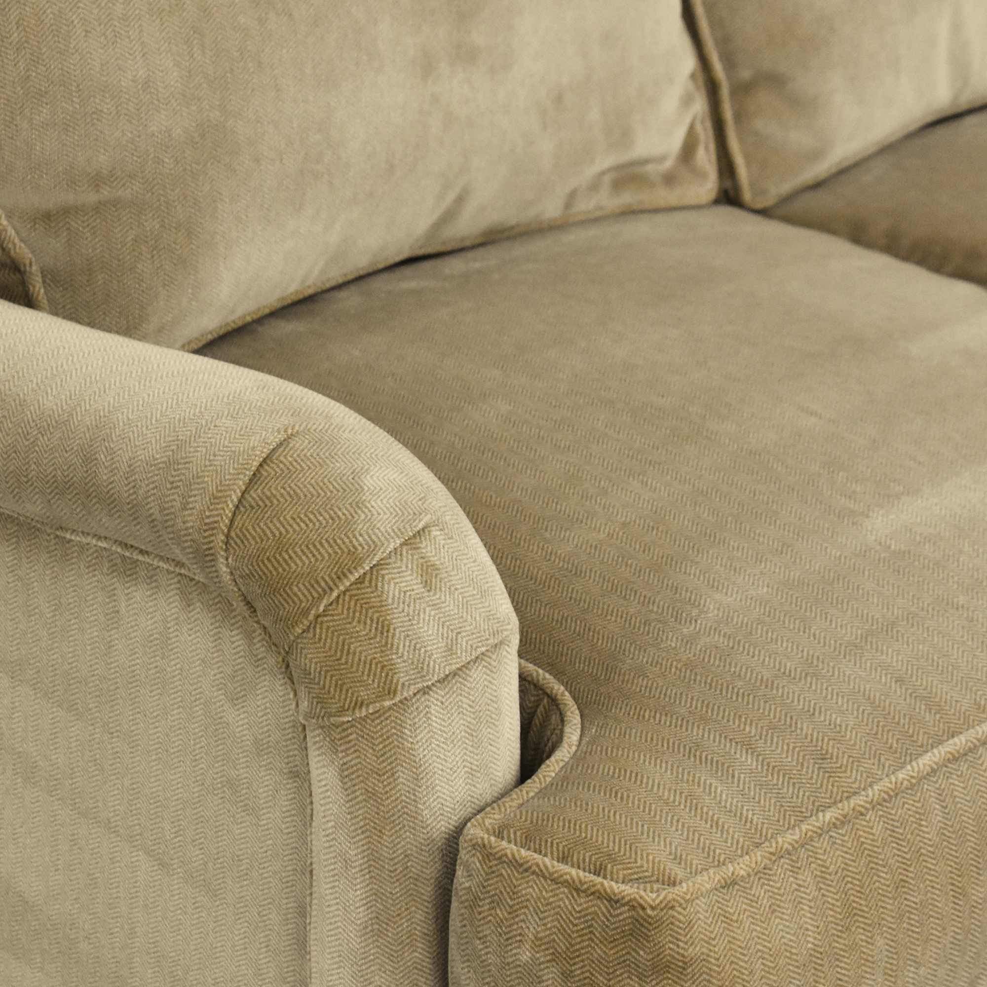 Lee Industries Lee Industries Three Cushion Sofa with Casters ct