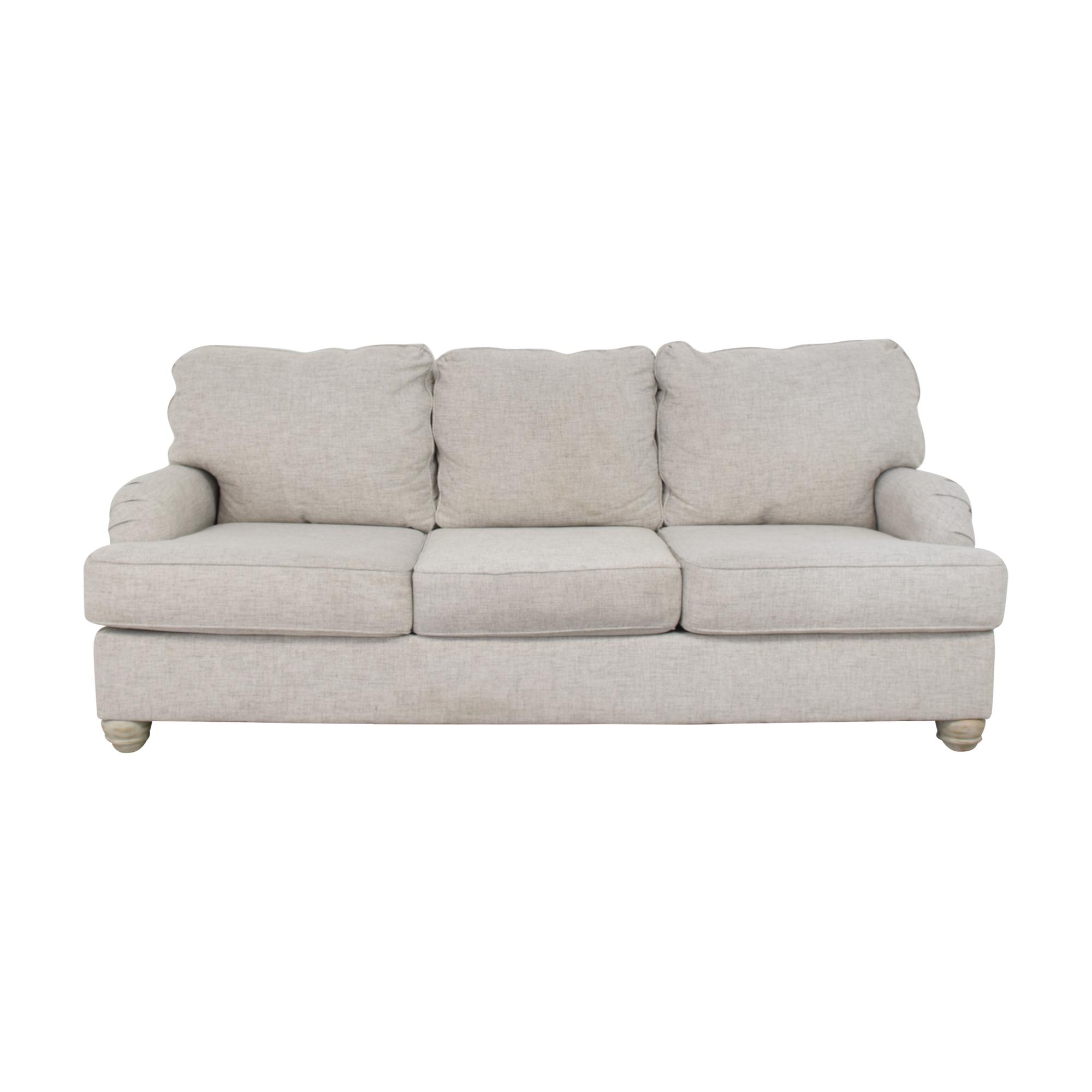 Raymour & Flanigan Trixie Sofa / Classic Sofas