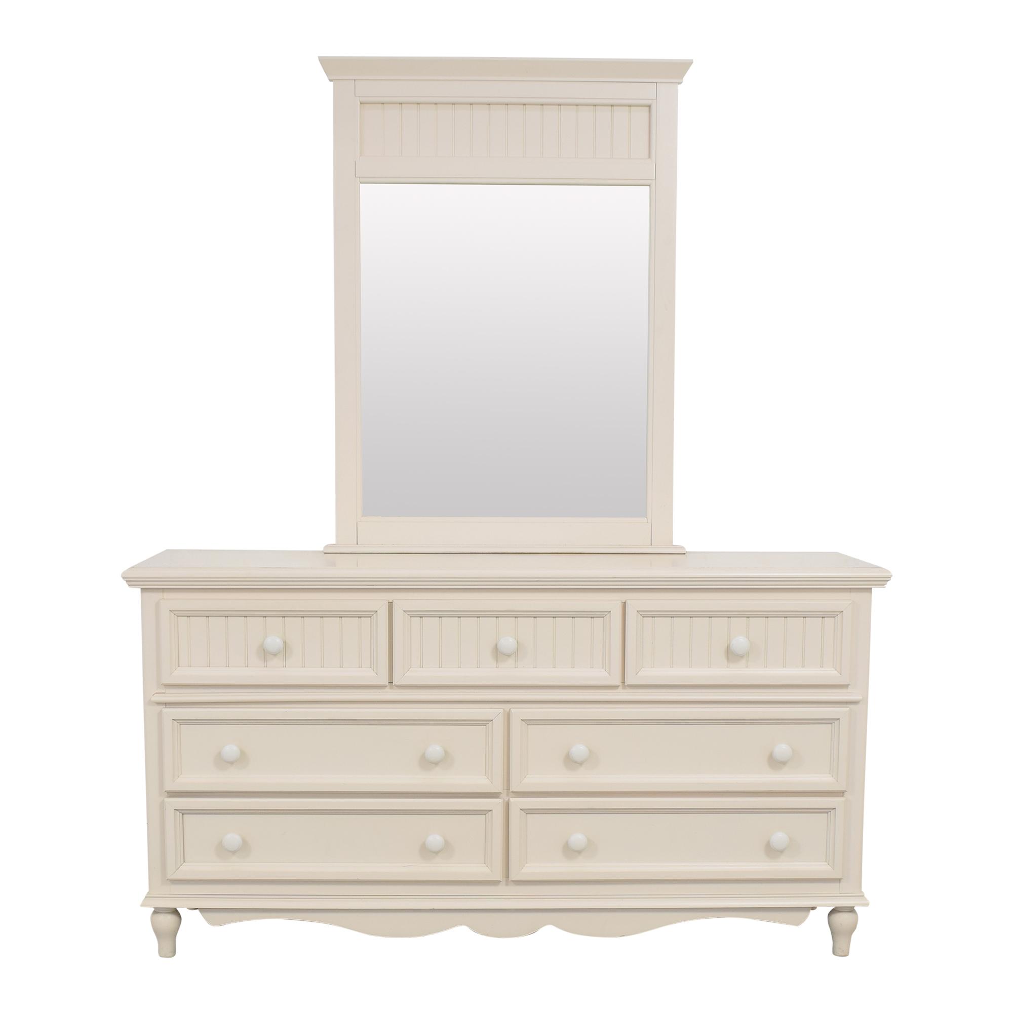 Bassett Furniture Bassett Wide Dresser with Mirror nyc