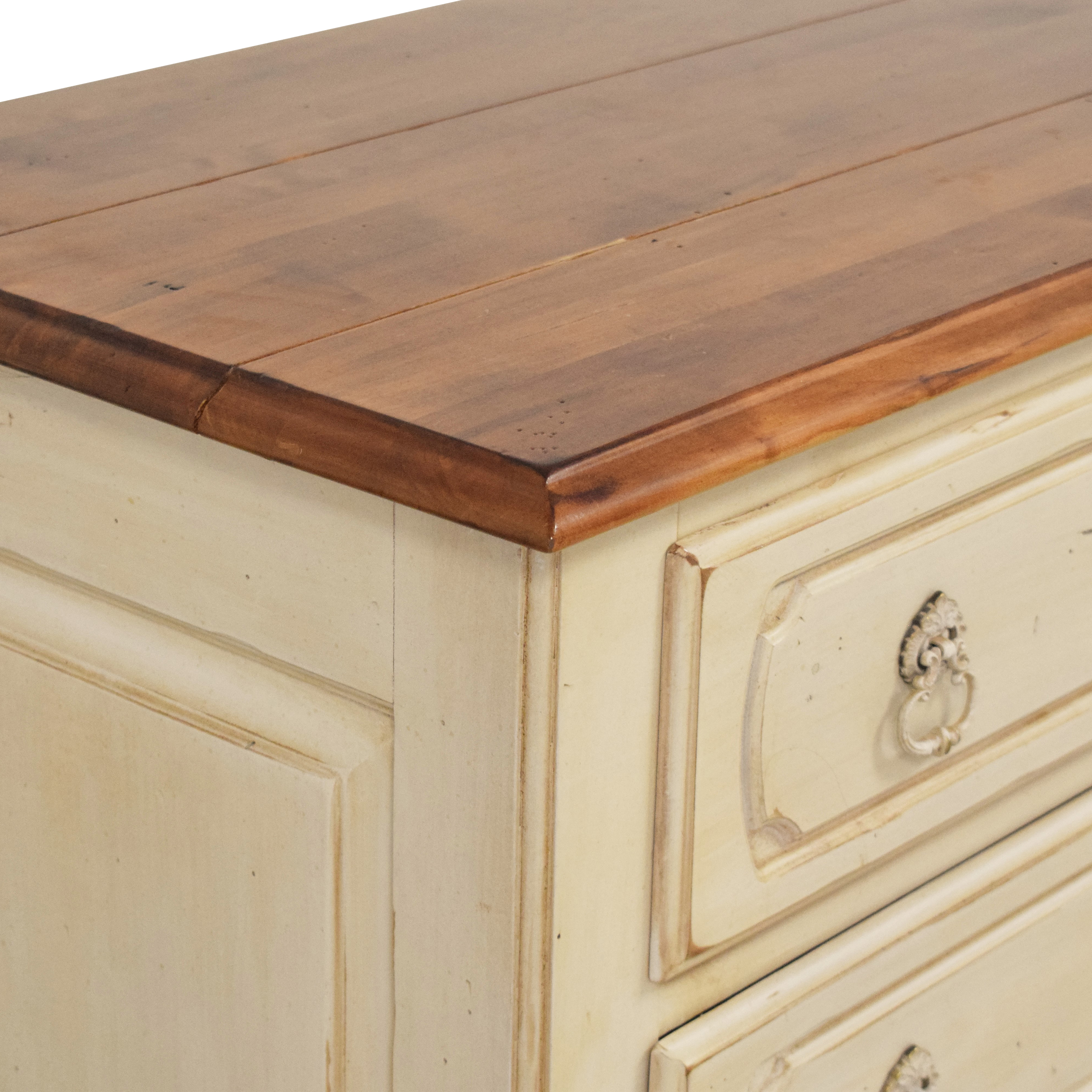 Ethan Allen Ethan Allen Legacy Collection Three Drawer Nightstand nj