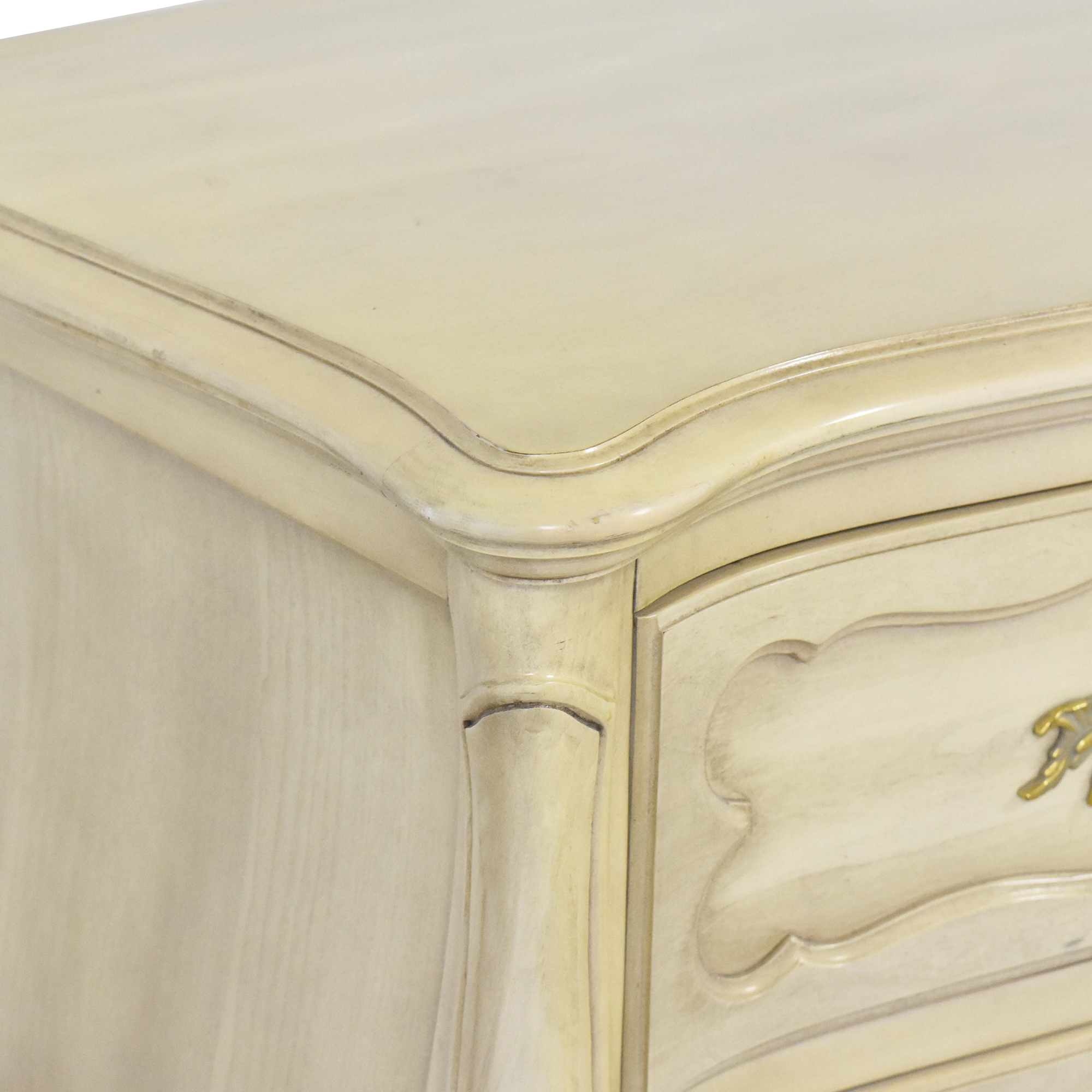 Thomasville French Provincial Style Dresser with Mirror / Storage