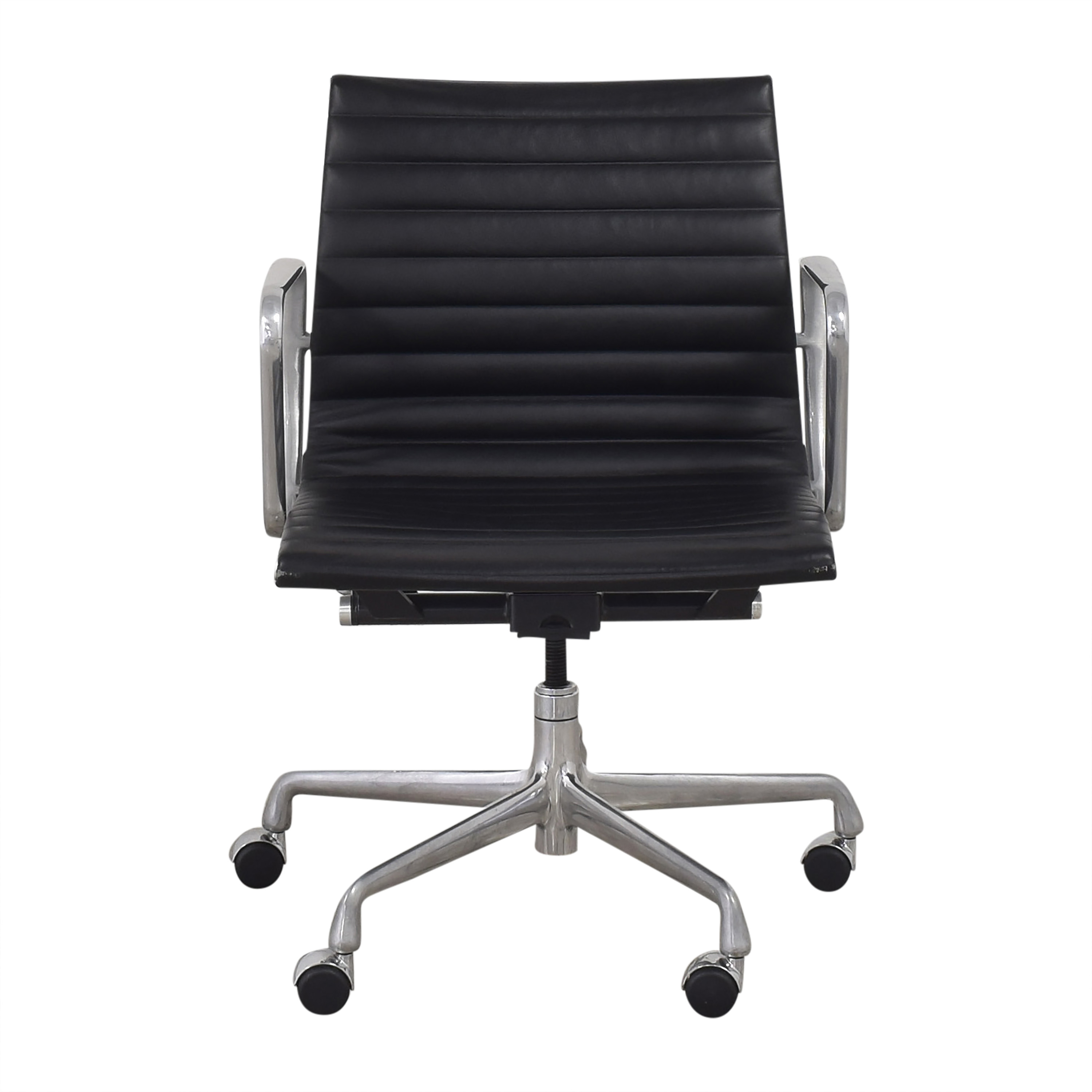 shop Herman Miller Eames Aluminum Group Management Chair Herman Miller Home Office Chairs