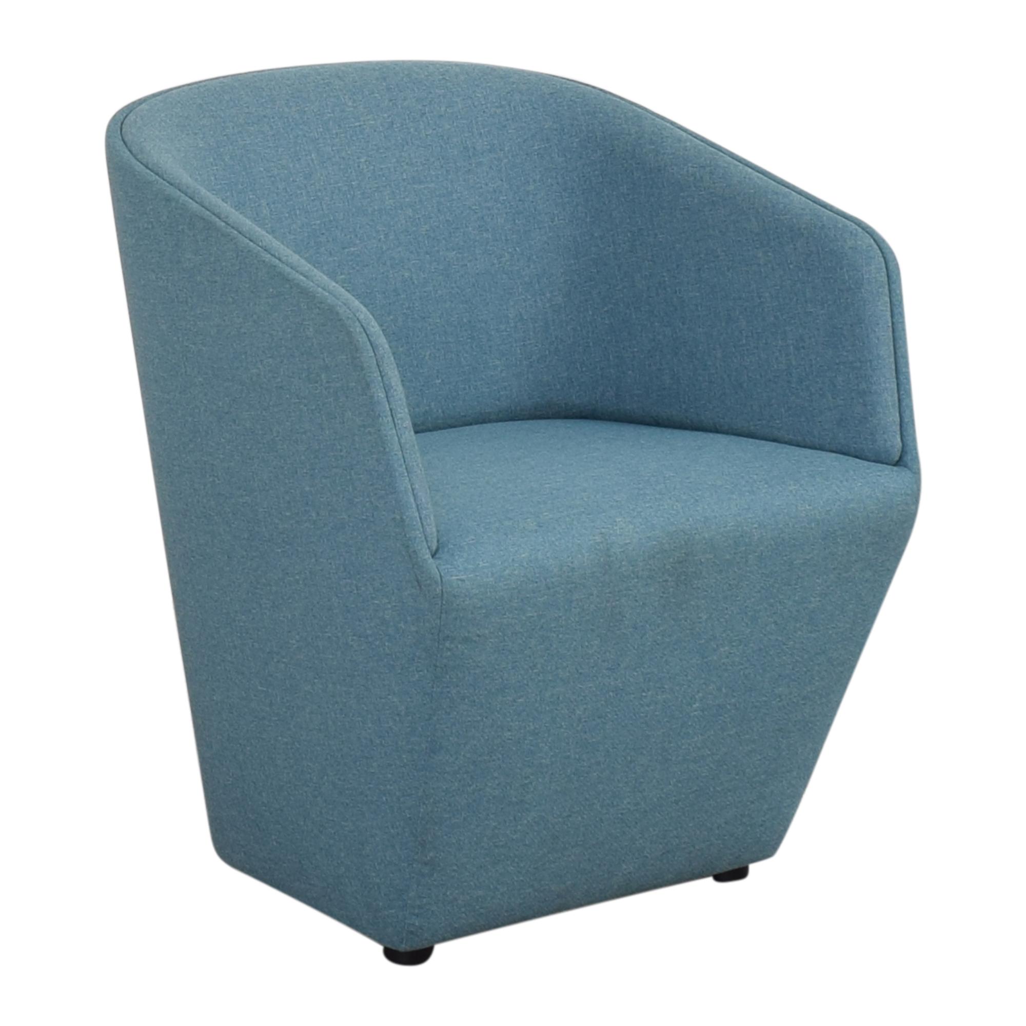 Poppin Poppin Pitch Club Chair nj