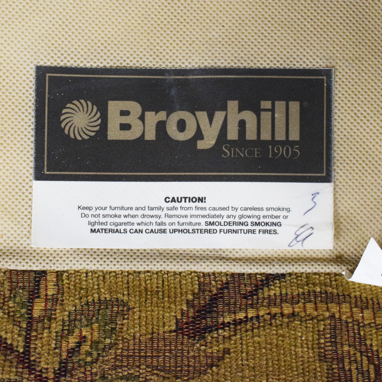 Broyhill Furniture Broyhill Furniture Two Cushion Skirted Sofa Classic Sofas