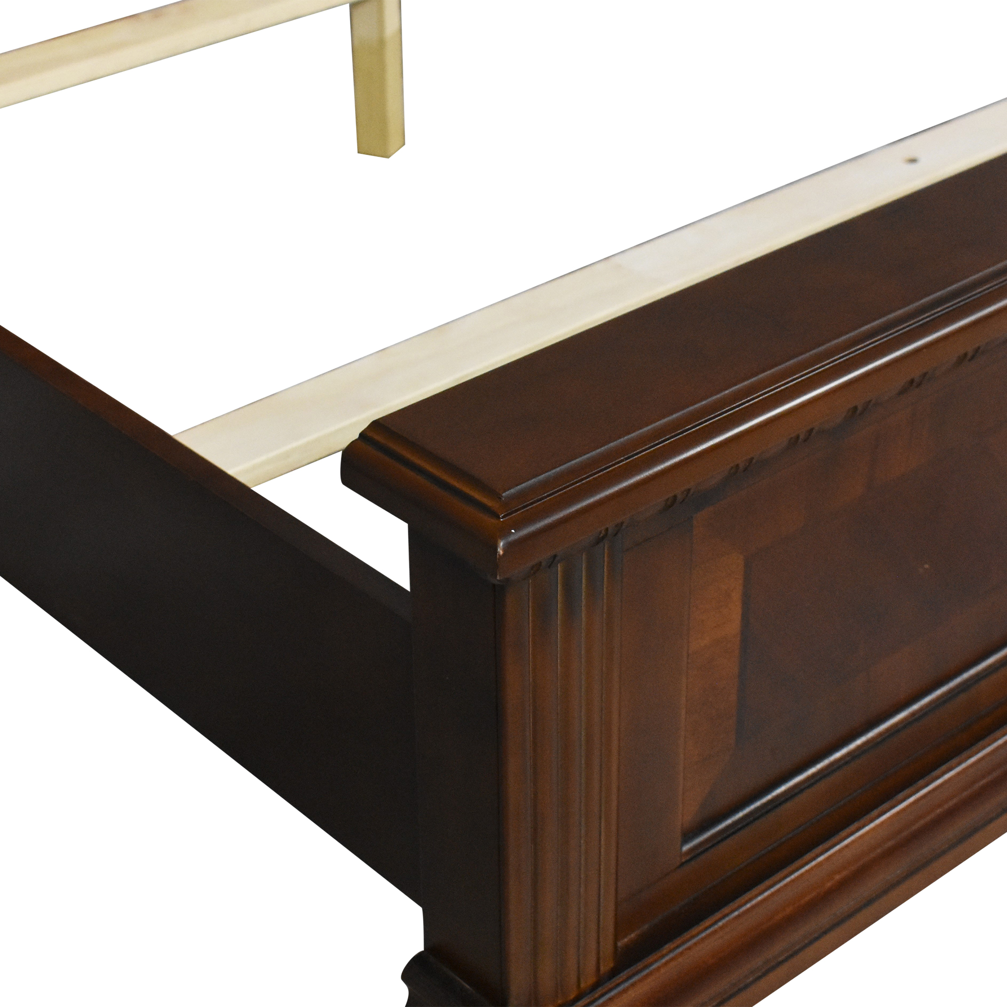 Raymour & Flanigan Raymour & Flanigan Ashbury Queen Panel Bed second hand