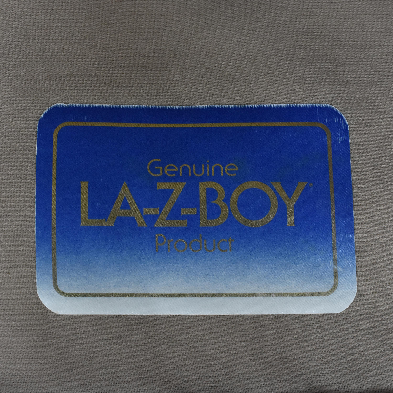 La-Z-Boy La-Z-Boy Skirted Loveseat ct